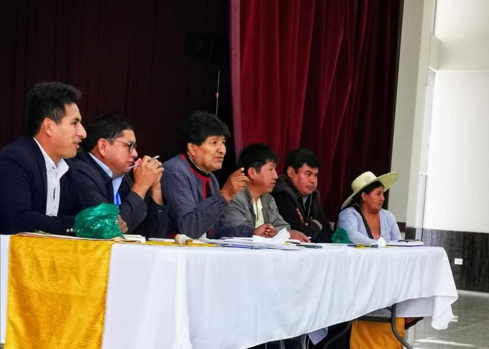 Następca Evo Moralesa wraca doBoliwii pozwycięstwo