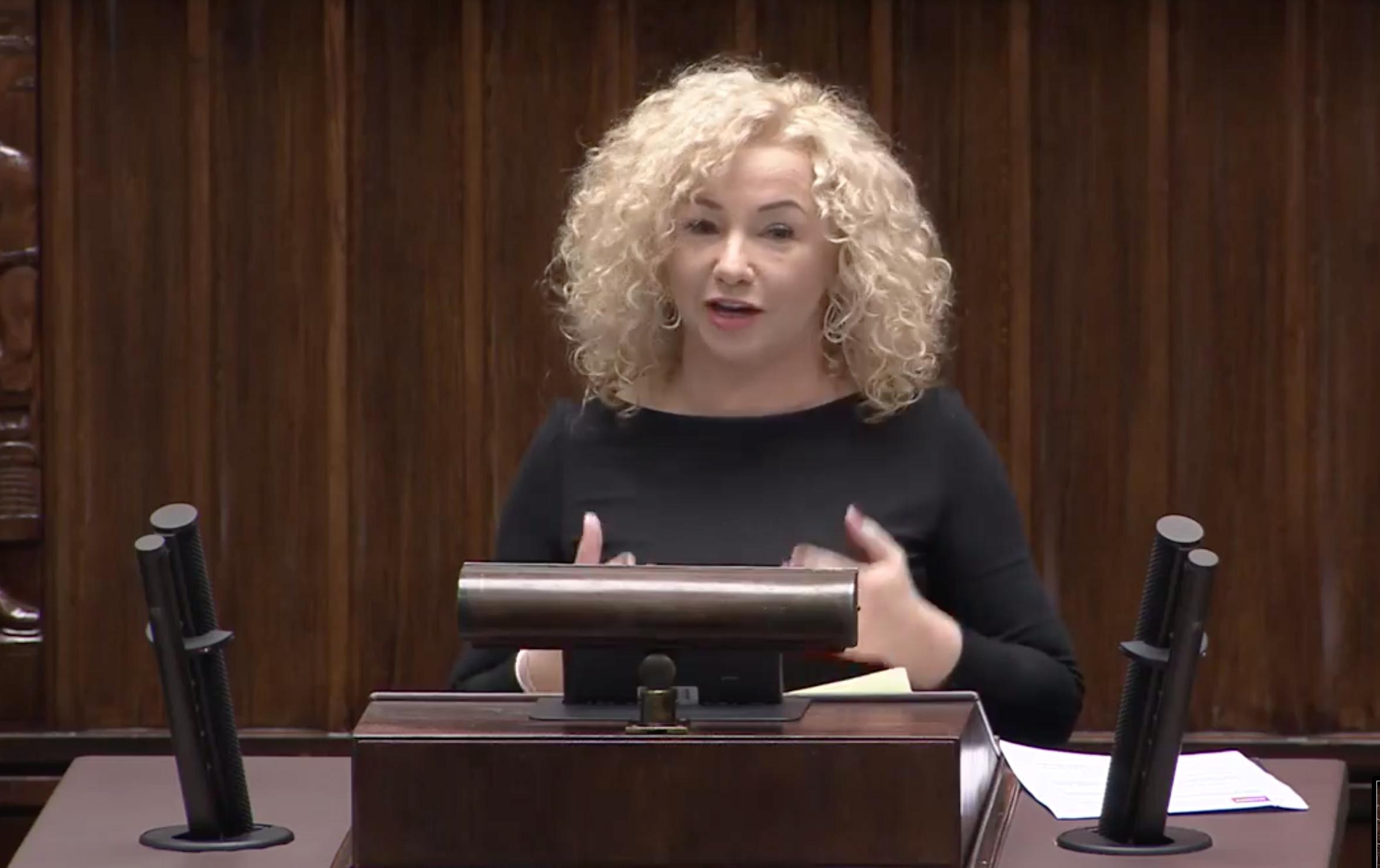 Posłanka Lewicy onowych restrykcjach ws. aborcji: PiS kłamie imanipuluje