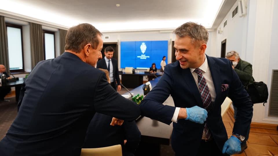 Gawkowski zadowolony z rozmów okrągłego stołu: porozumienie ws. wyborów jest możliwe