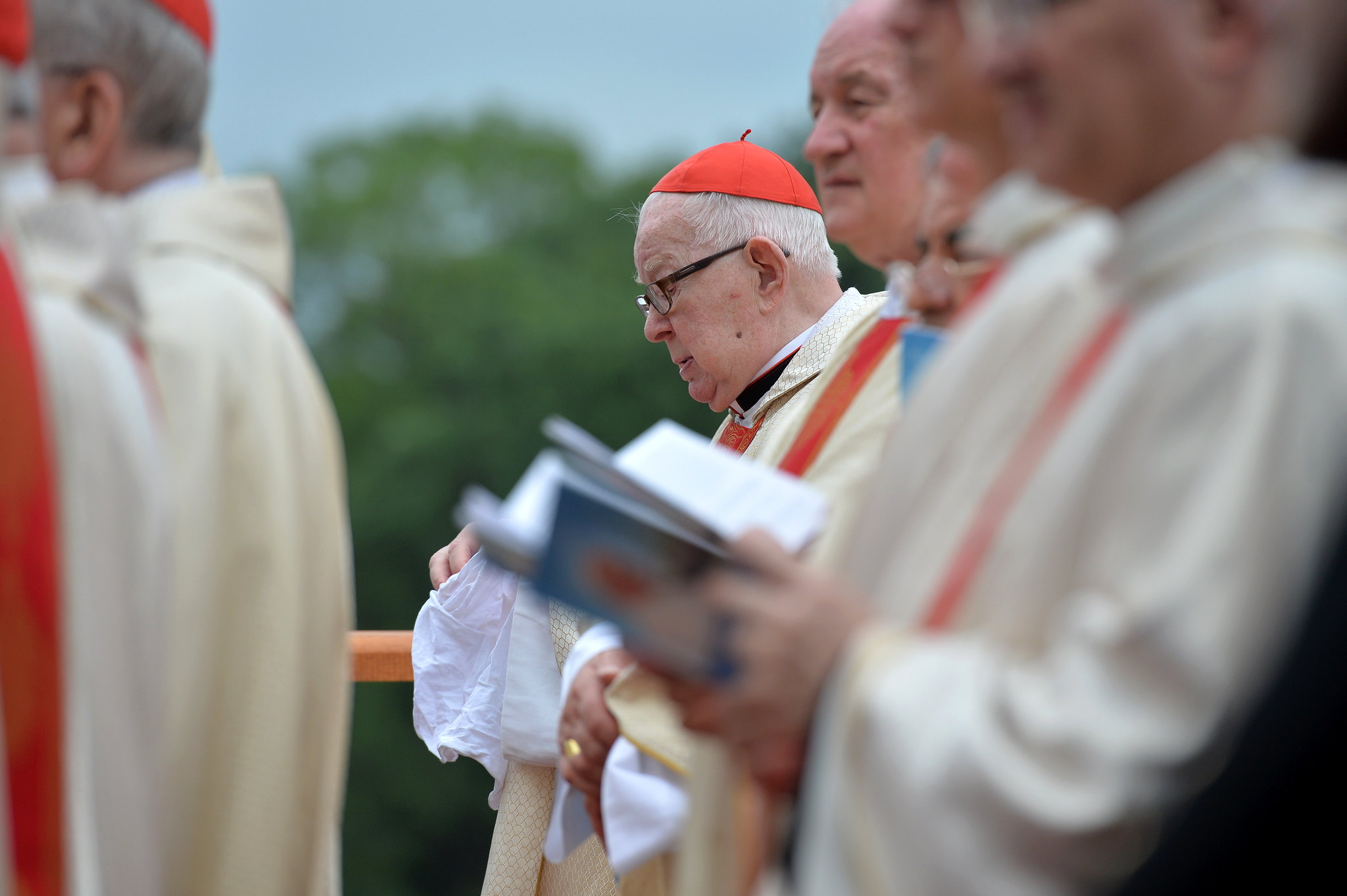 Miasto nie chce u siebie kardynała, który gwałcił dzieci. Gulbinowicz utracił honorowe obywatelstwo