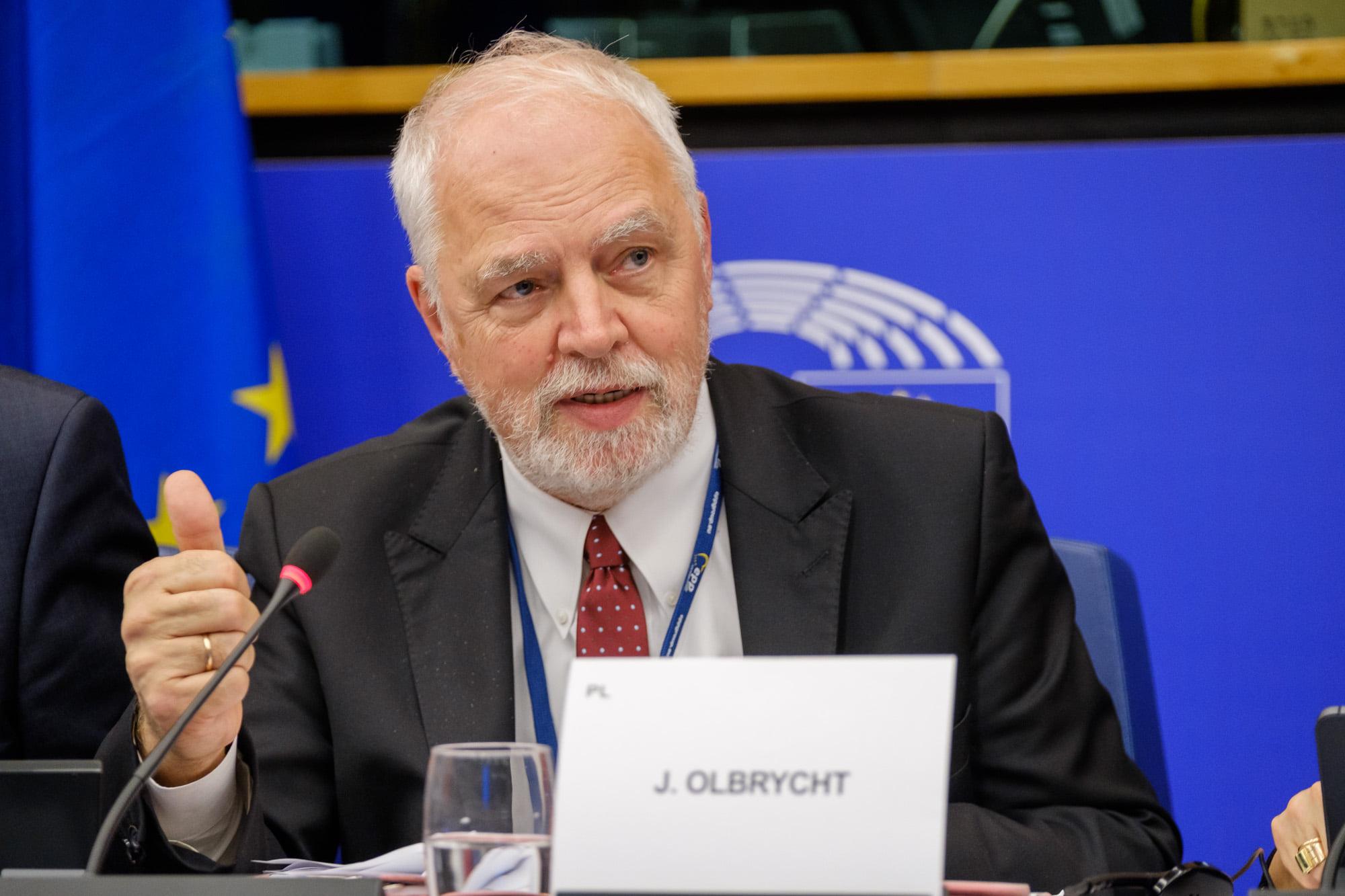 Europoseł PO: możliwe trzy scenariusze w sprawie weta budżetu UE