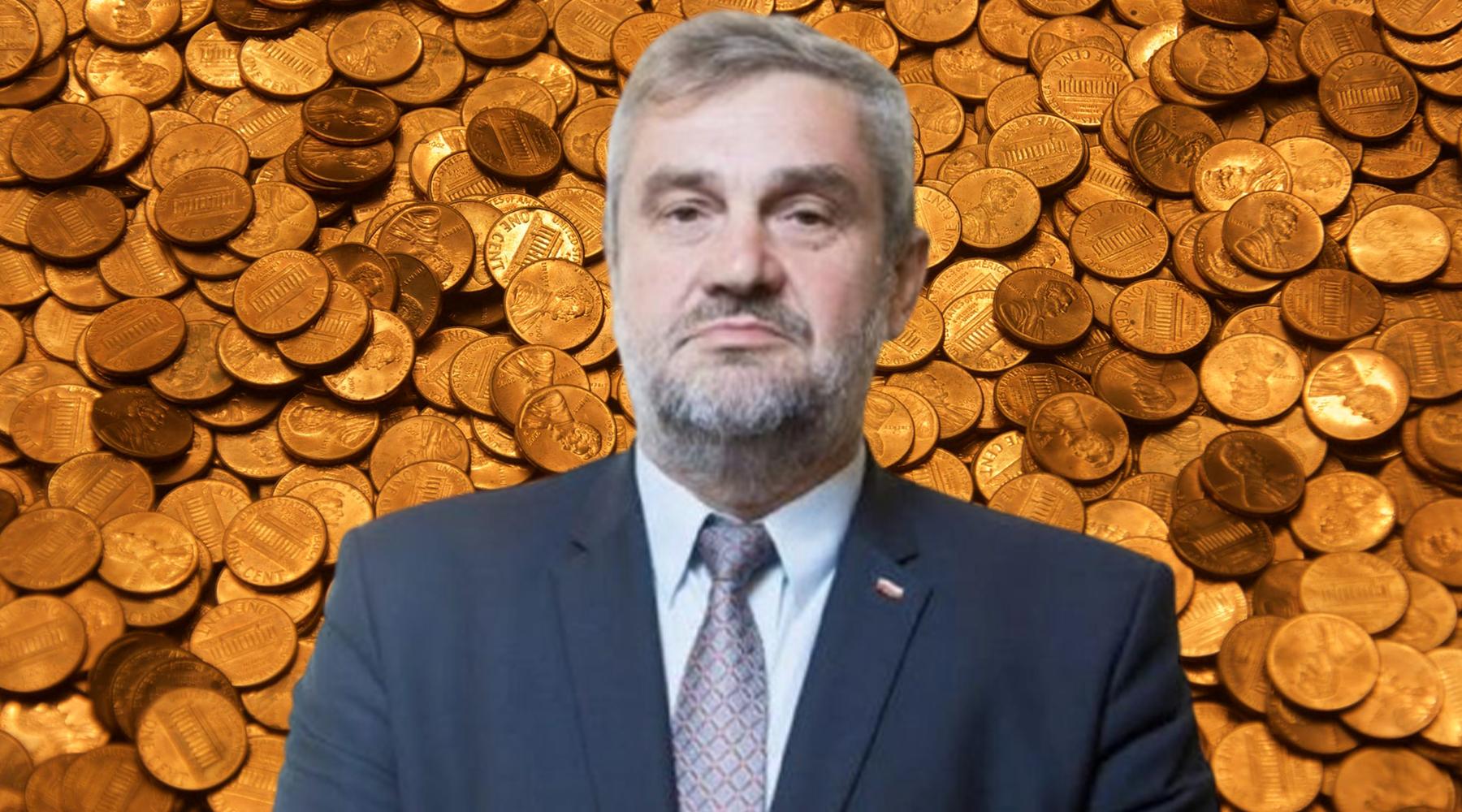 Rekordowe podwyżki wMinisterstwie Rolnictwa. Jan Ardanowski rozbił bank