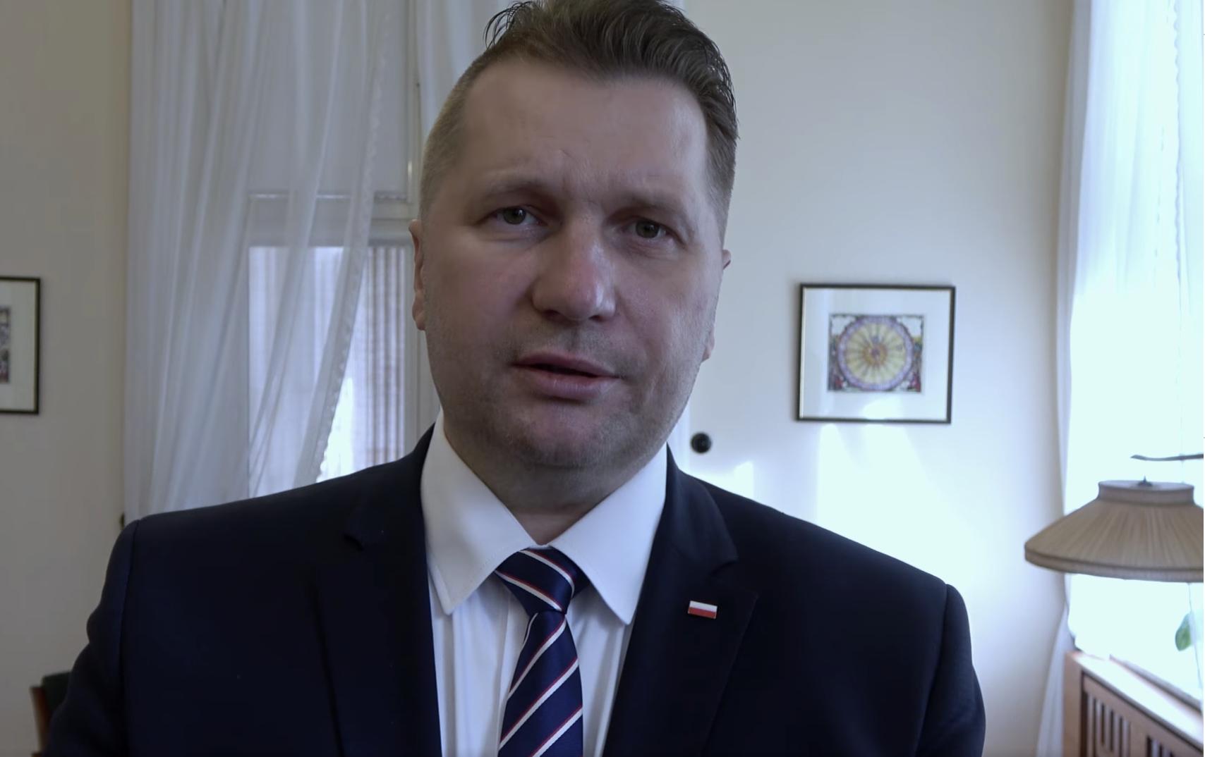"""Plan Czarnka na 2021: """"Ochrona dzieci w szkołach przed demoralizacją"""""""