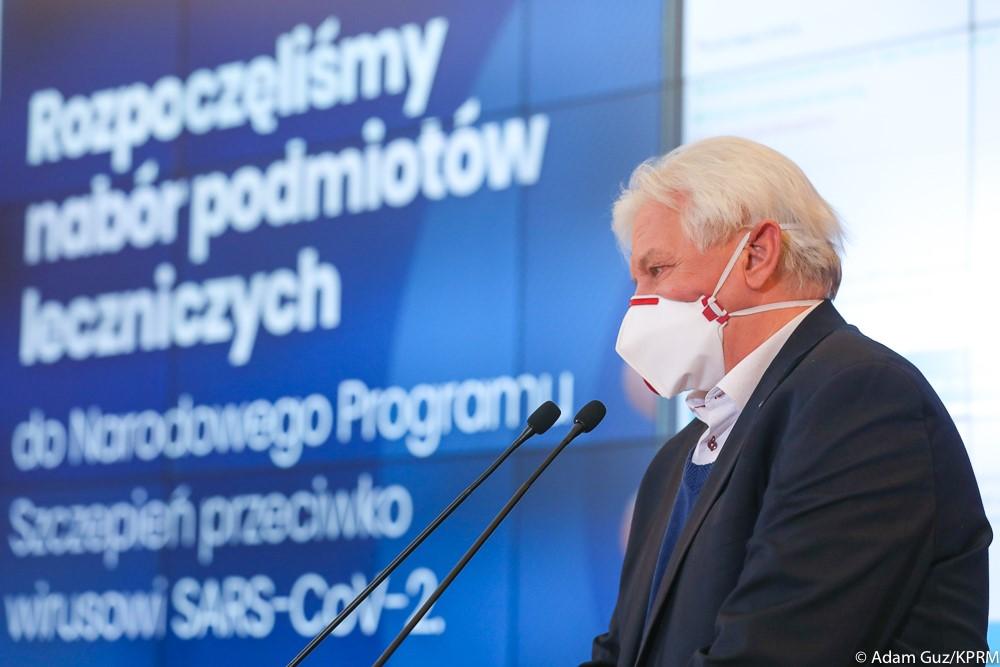"""Prof.Horban odostawach szczepionek: """"Potencjalna katastrofa. Niezdążymy przedtrzecią falą"""""""