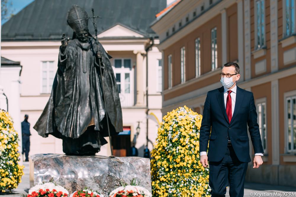"""Morawiecki: """"Kościół stał się celem tych, którzyprzyszli, byzniszczyć Naród"""""""
