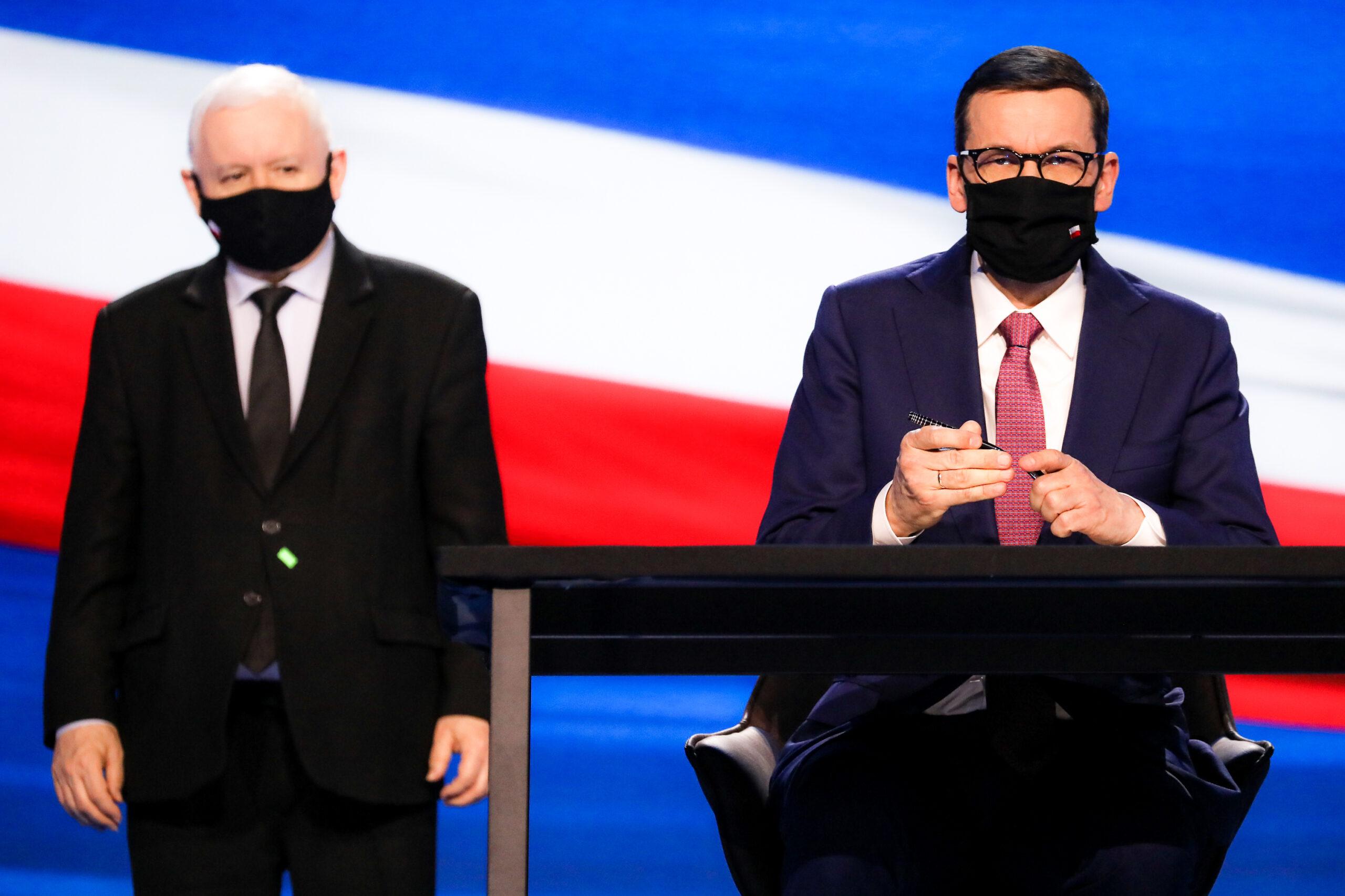 """Kaczyński wskazał swojego następcę w PiS? """"Jasno świeci jego gwiazda"""""""
