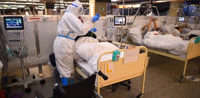 """WHO: """"Indyjski szczep koronawirusa wywołuje niepokój"""""""