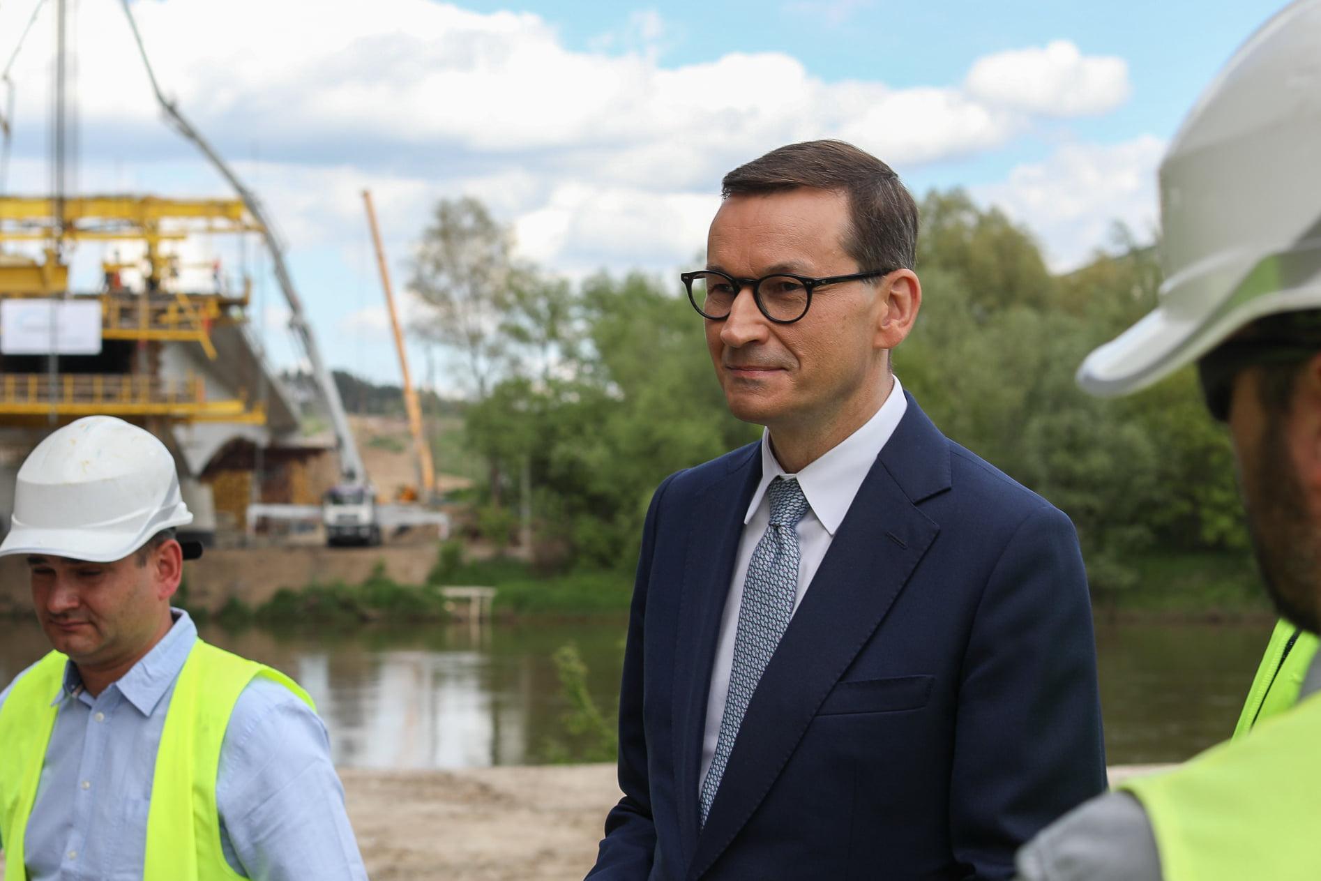 """Premier: """"Ci wszyscy bogaci gdzieś mieszkają. Korzystają z naszych dróg i szkół, ale nie płacą wystarczająco"""""""
