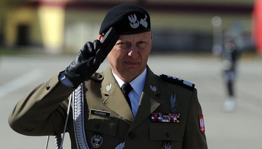 """Gen. Różański: """"Błaszczak zachowuje się jak klient wsupermarkecie"""""""