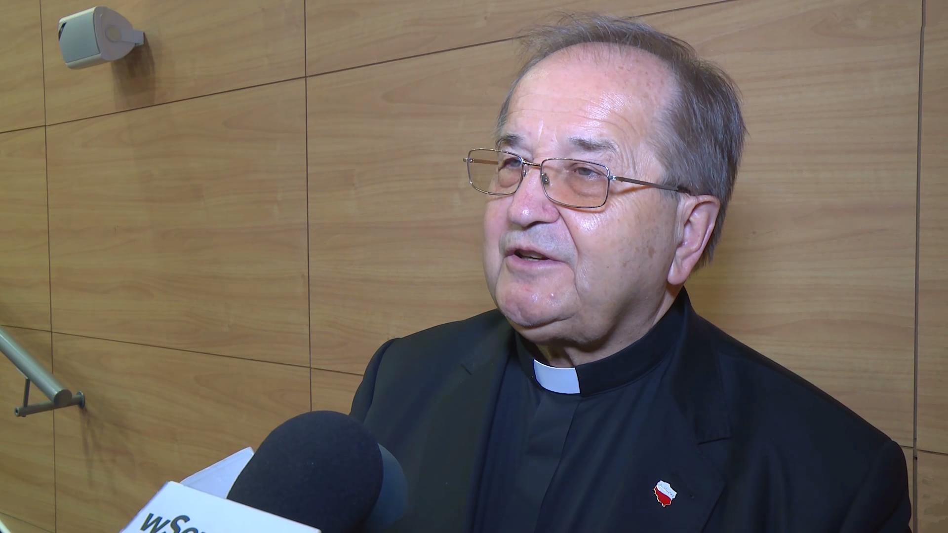 Rydzyk: Mieszkam w klasztorze, nie pobieram pensji. Od 30 lat bezinteresowanie służę Polsce
