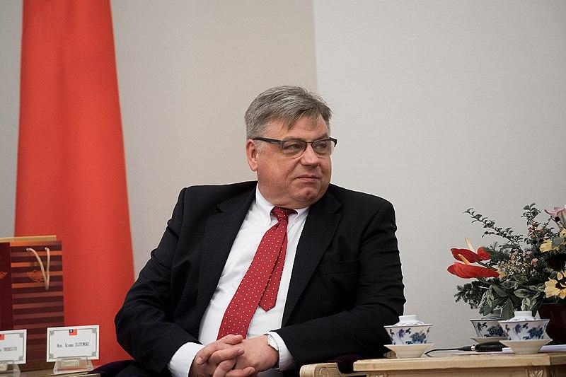 """Europoseł PiS: """"Nie uważamy, że prokuratura ma być niezależna"""""""
