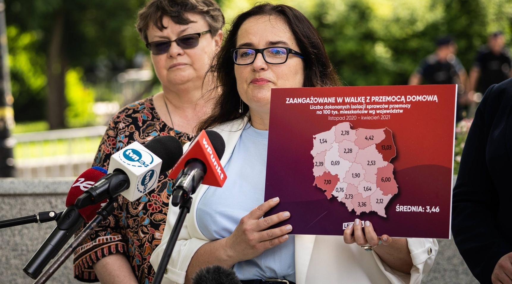 Posłanki lewicy: 1331 izolacji sprawców przemocy domowej po zmianach w prawie