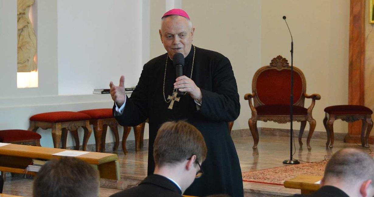 Biskup Kiernikowski rezygnuje. Poszło o tuszowanie pedofilii