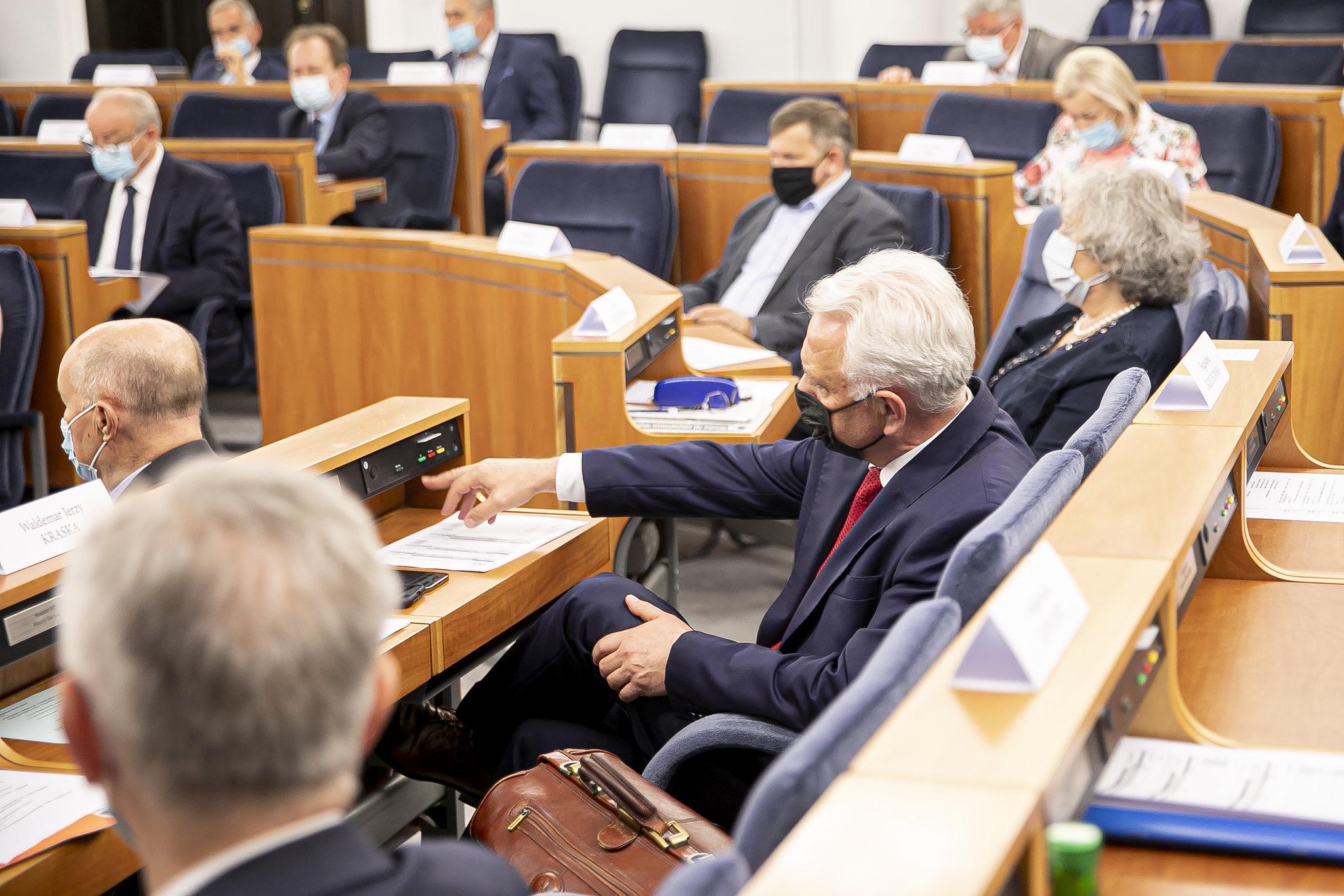 Senat odrzucił nowelizację dającą szefowi MEiN prawo ustanawiania programów