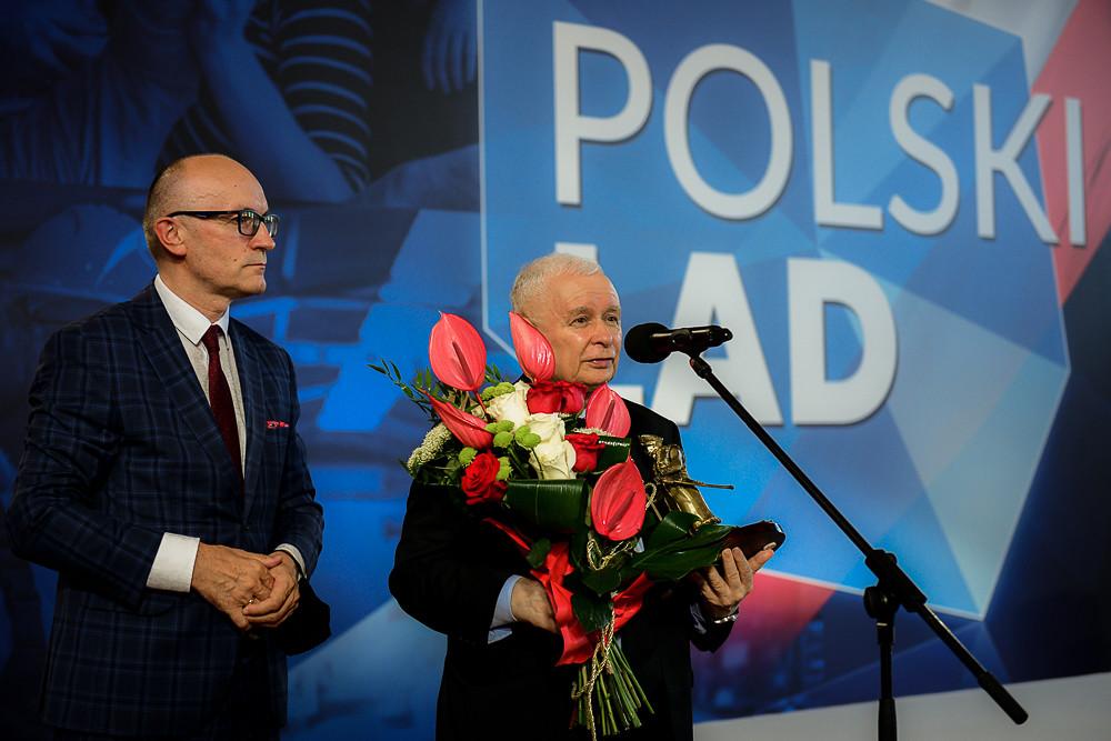 [SONDAŻ] Zdecydowana większość Polaków uważa, żePolska zmierza wzłą stronę. Tylko1 na4 myśli przeciwnie