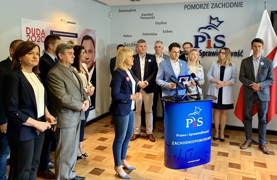 Radna PiS chciała, by prezydentów miast wybierali radni. Teraz żąda likwidacji urzędu RPO