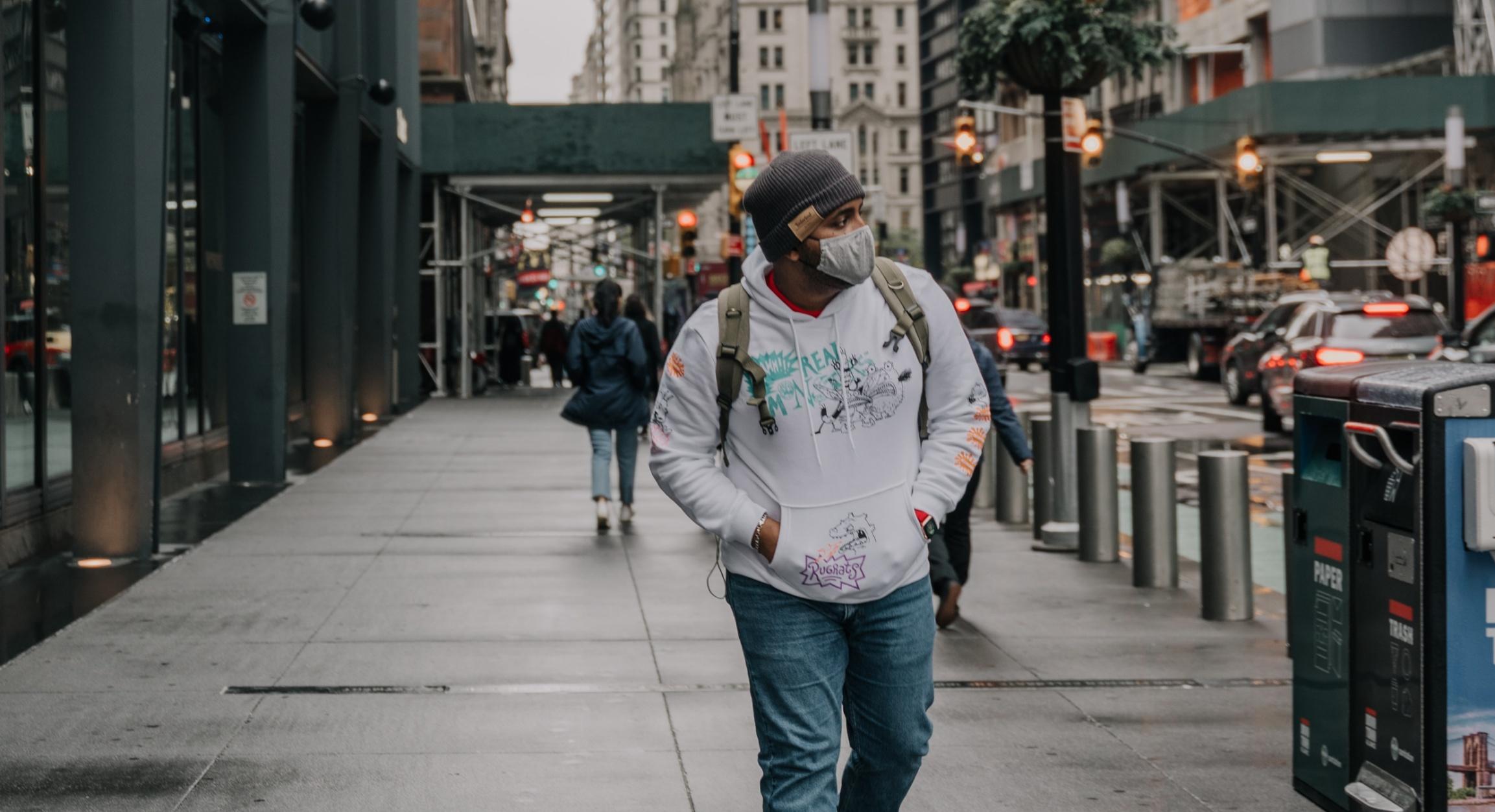Nowy Jork zamierza znieść w poniedziałek obowiązek noszenia maseczek w szkołach