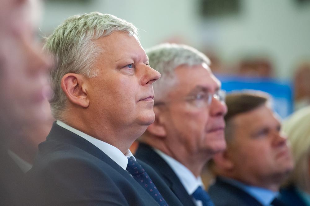 Suski: TVN powinien wzorować się na Telewizji Polskiej