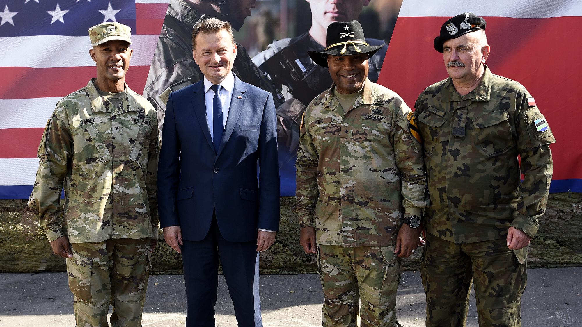 """Błaszczak: Czołgi Abrams mają odstraszyć Rosję w """"Bramie Smoleńskiej"""""""