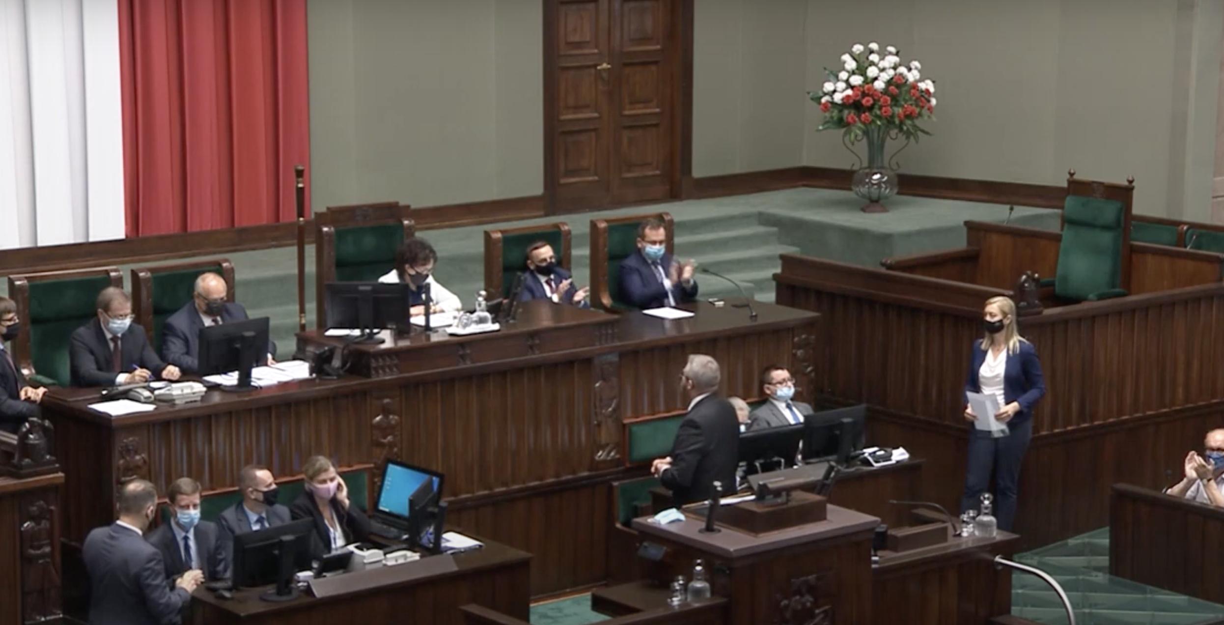 Braun wyrzucony z Sejmu. Nie chciał założyć maseczki