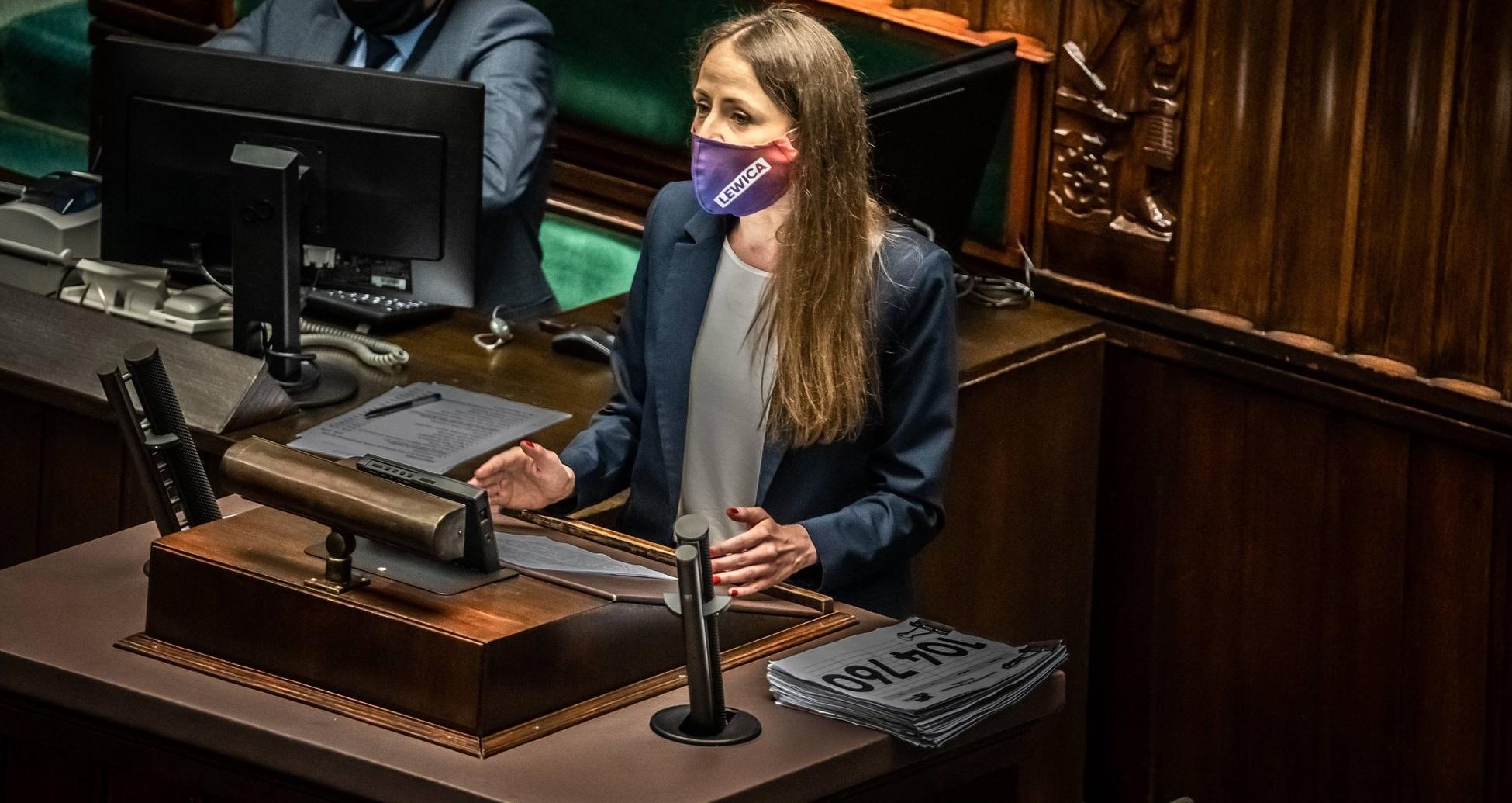 Dziemianowicz-Bąk: Przemysław Czarnek chce młodzieży zniszczyć dzieciństwo i ukraść przyszłość