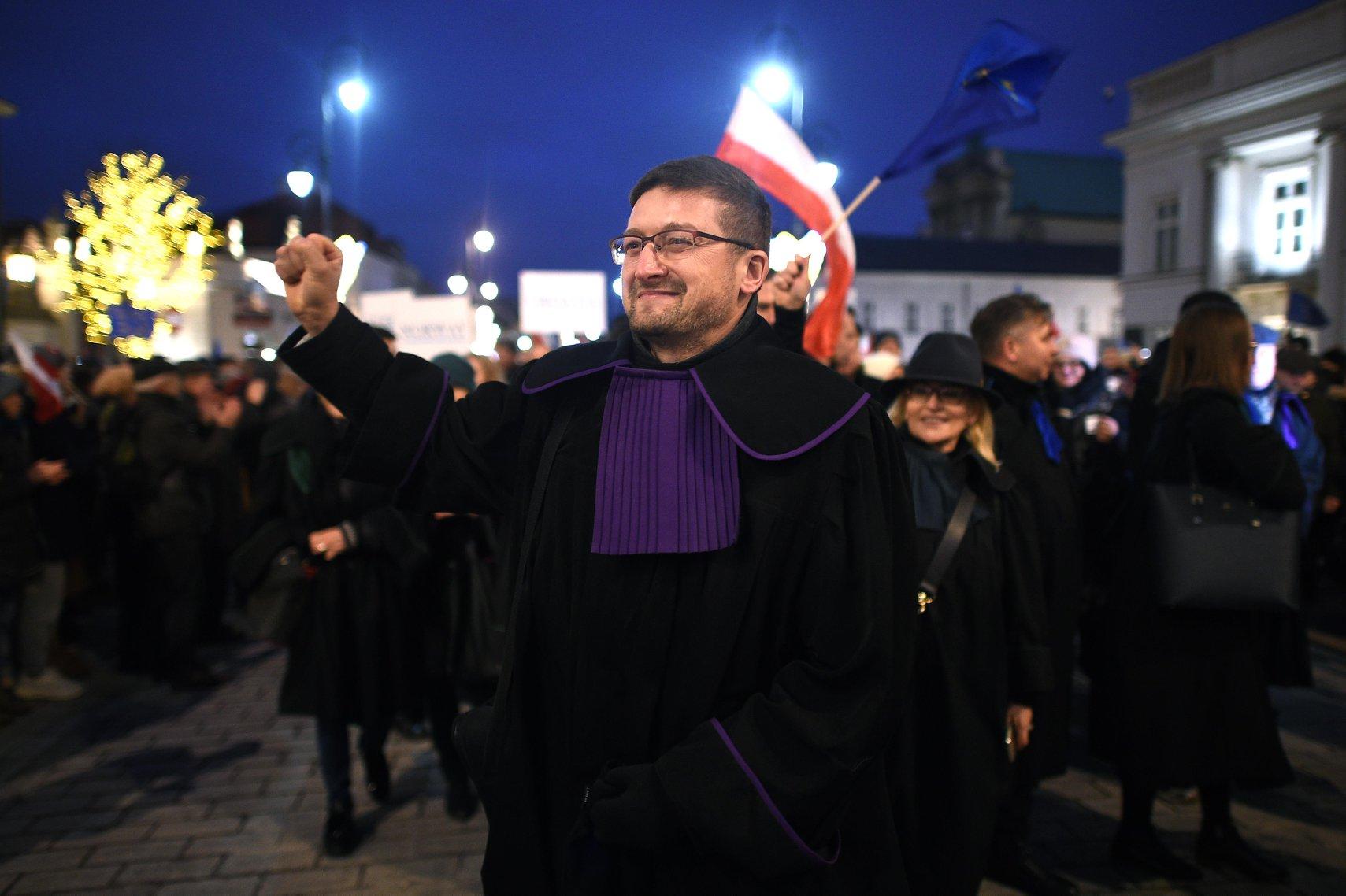 Sędzia Juszczyszyn wygrywa w sądzie ze Skarbem Państwa