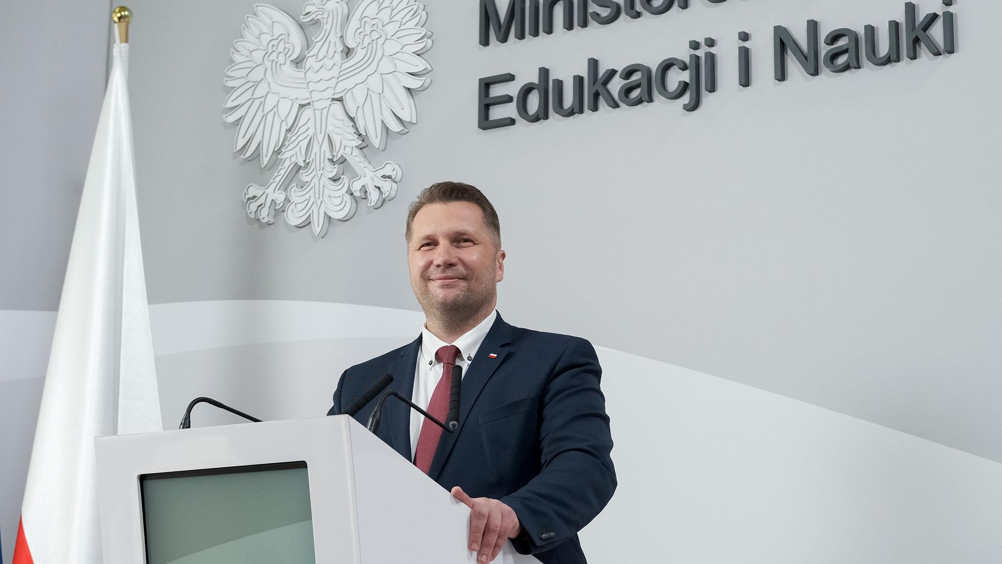 """Będą dofinansowania wycieczek szkolnych. """"Są szkoły, które chcą podążać śladami kardynała Wyszyńskiego"""""""
