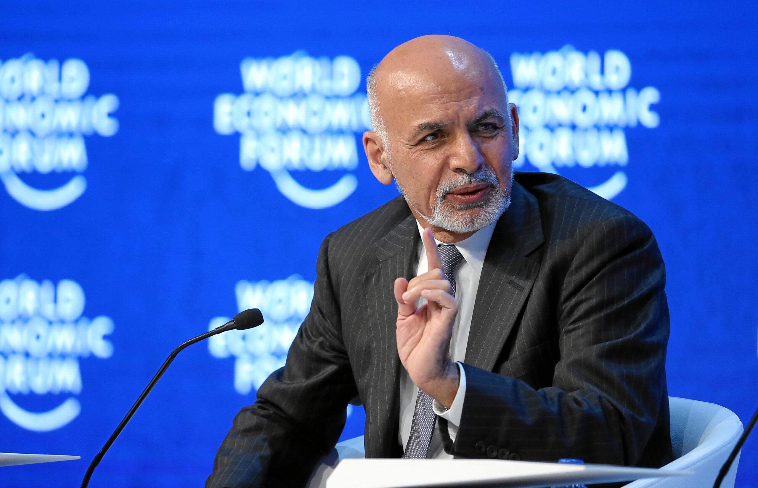 Afganistan: Talibowie dalej atakują, prezydent prowadzi konsultacje