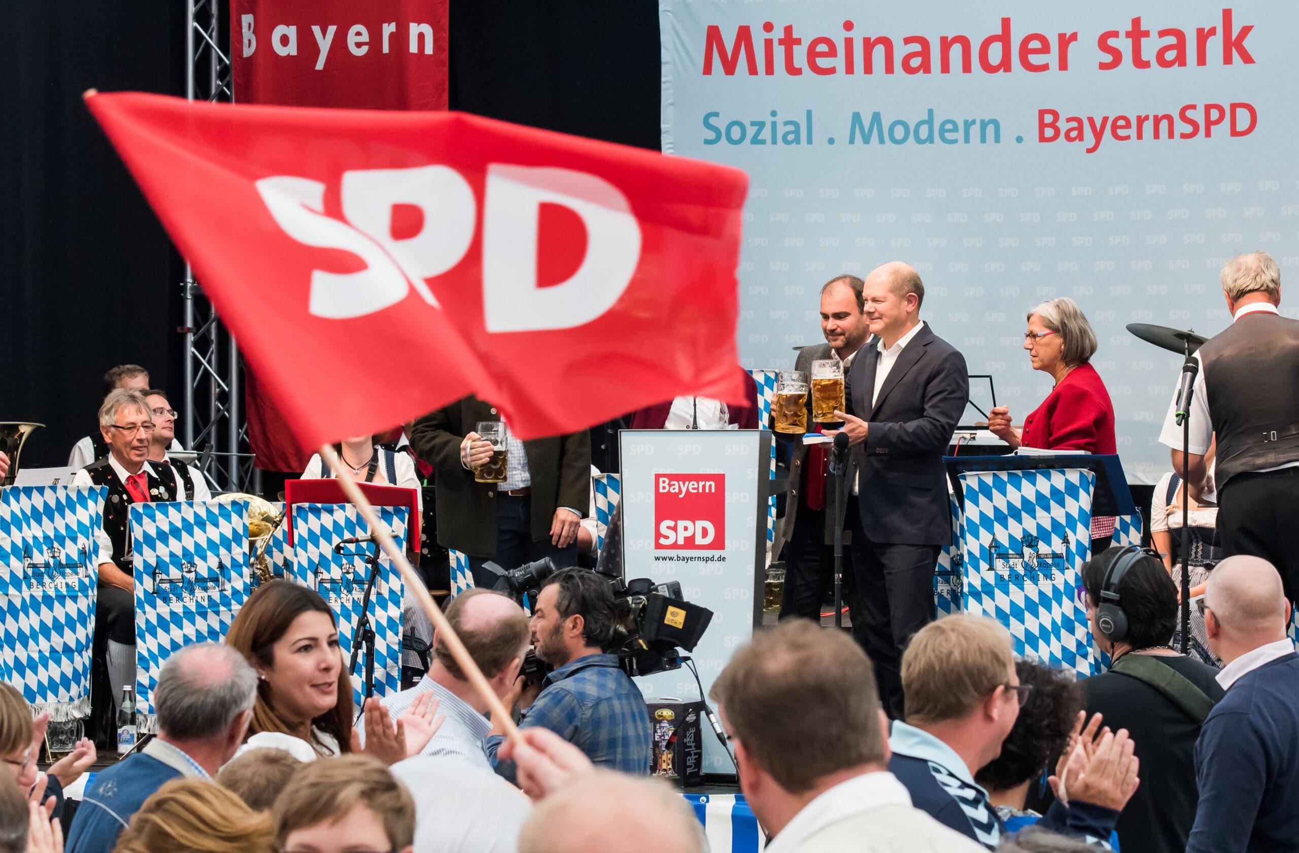 Niemcy: Wybory za cztery tygodnie, SPD wychodzi na prowadzenie