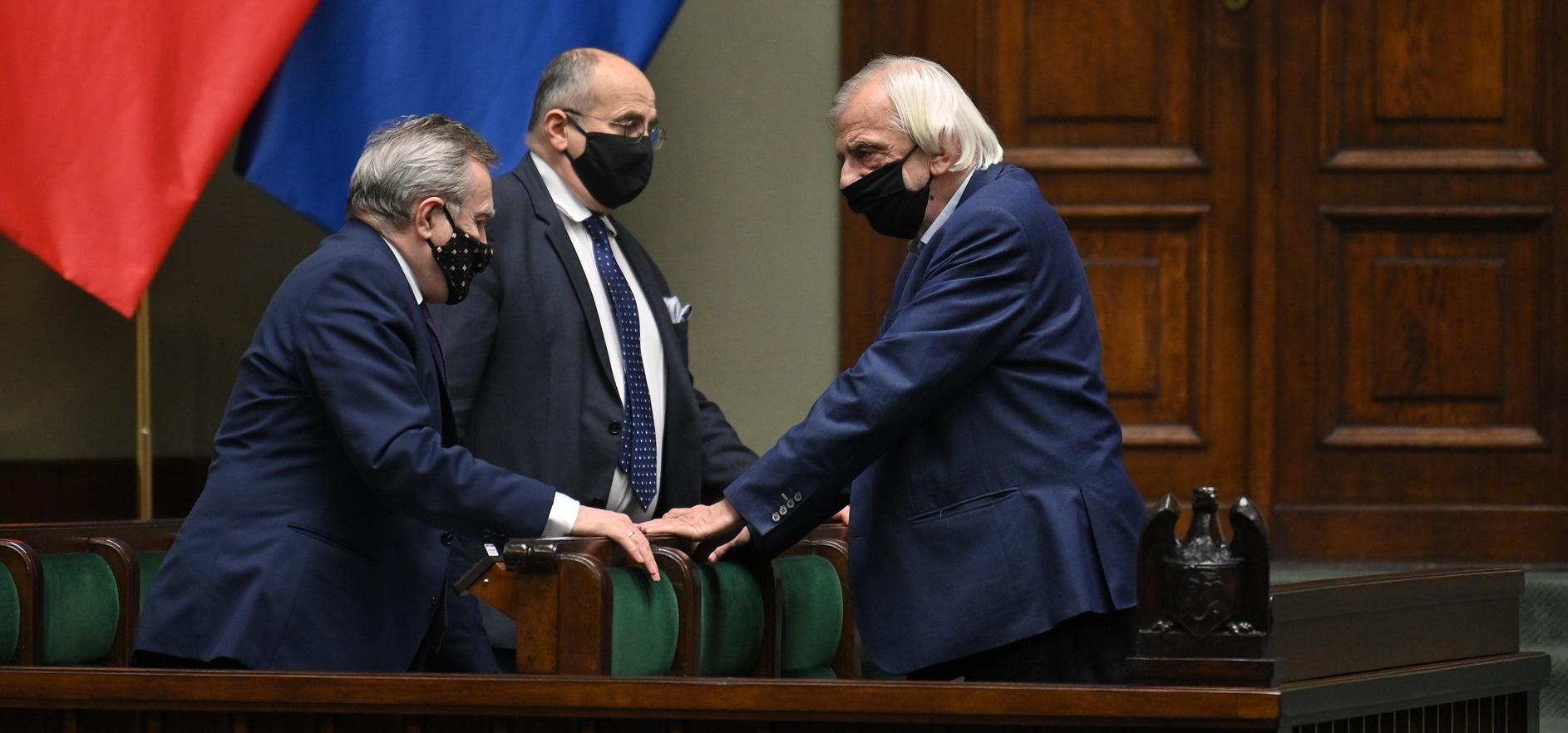 [SONDAŻ] Tylko jeden na dziesięciu Polaków popiera podwyżki dla polityków