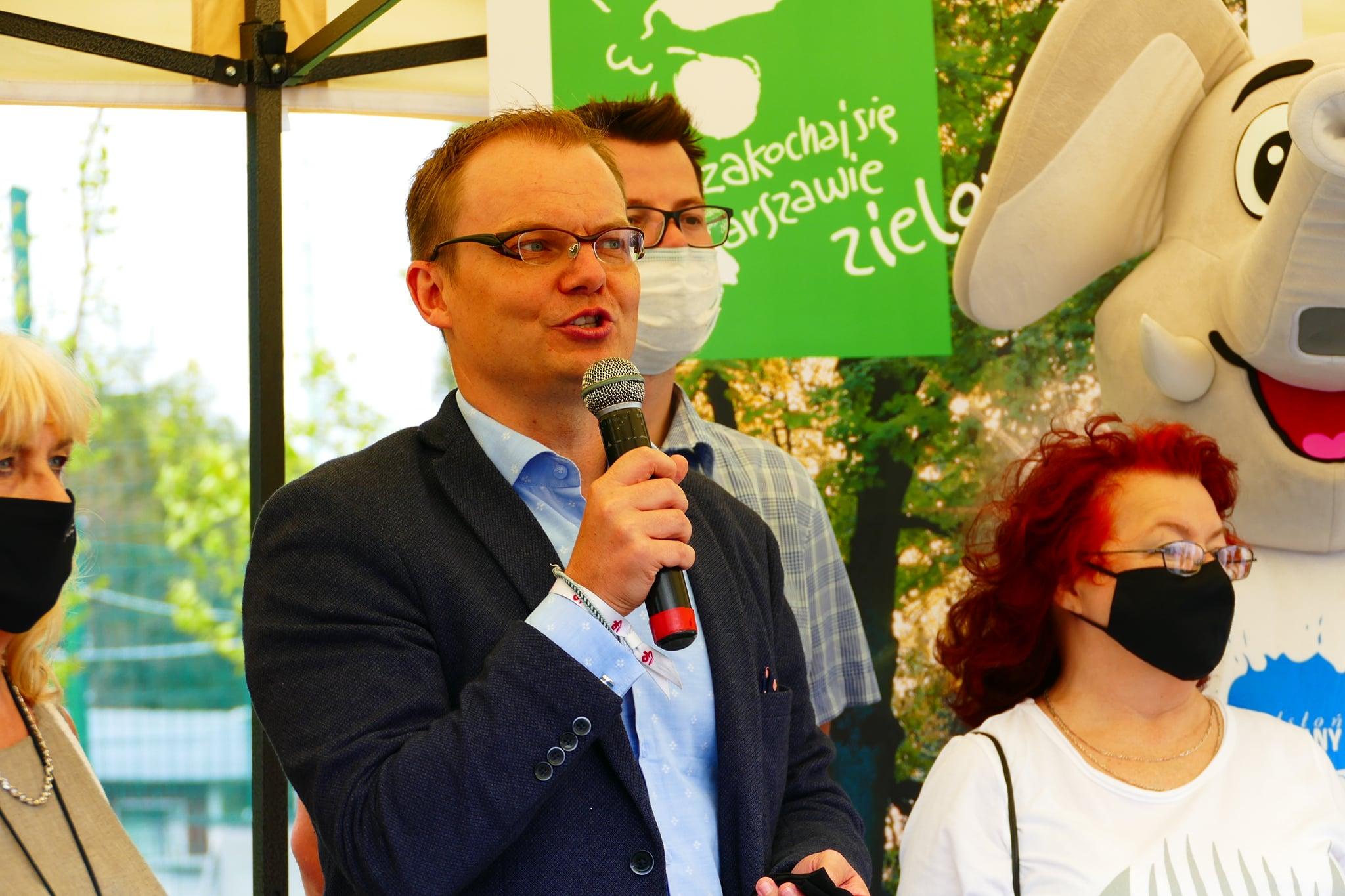 Warszawa. Burmistrz Bielan deklaruje możliwość przyjęcia 5 rodzin z Afganistanu