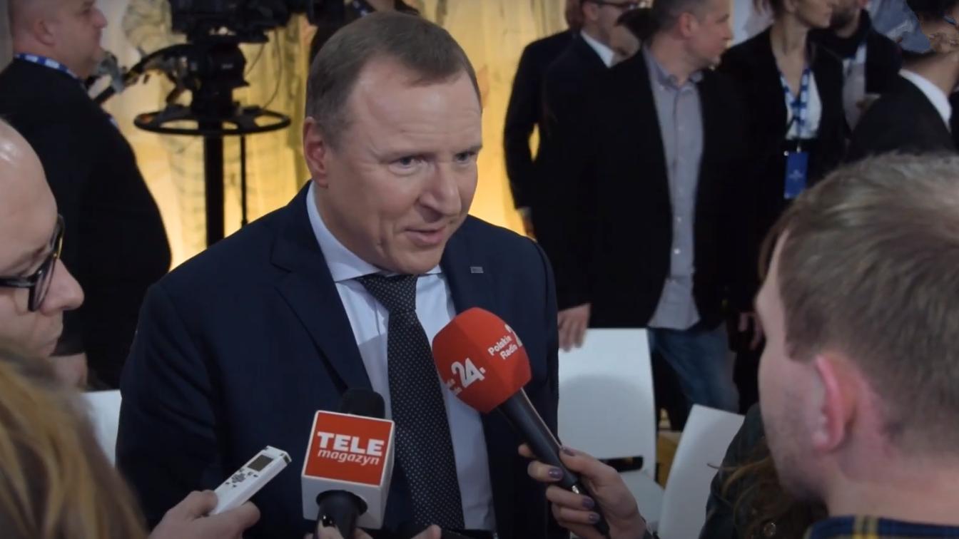 Wulgaryzmy na antenie TVP. Kibice nie zostawili suchej nitki na PiS