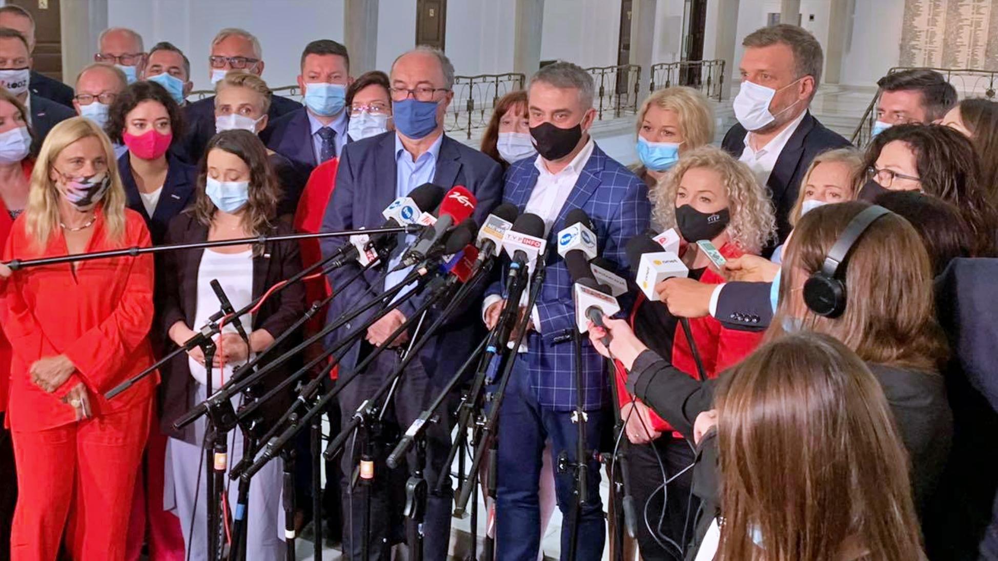 Gawkowski: W nocy rozmowy opozycji o wspólnym wniosku o odwołanie marszałek Witek