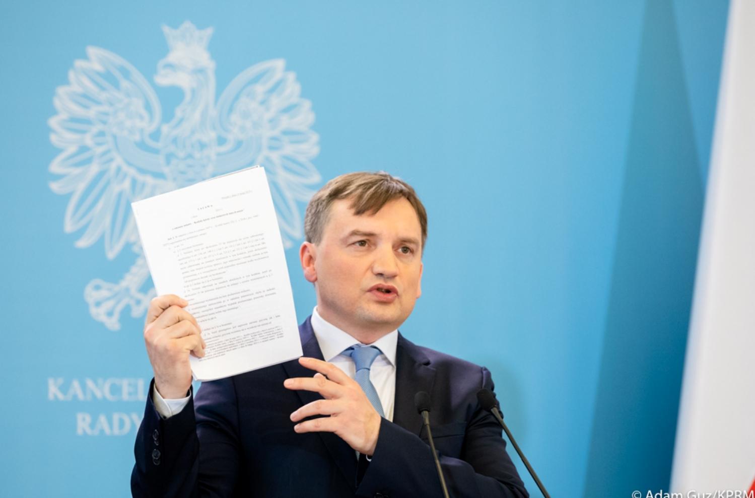 Ziobro: Osoby, które nie są posłuszne państwu polskiemu, powinny być poddane procesowi dyscyplinarnemu