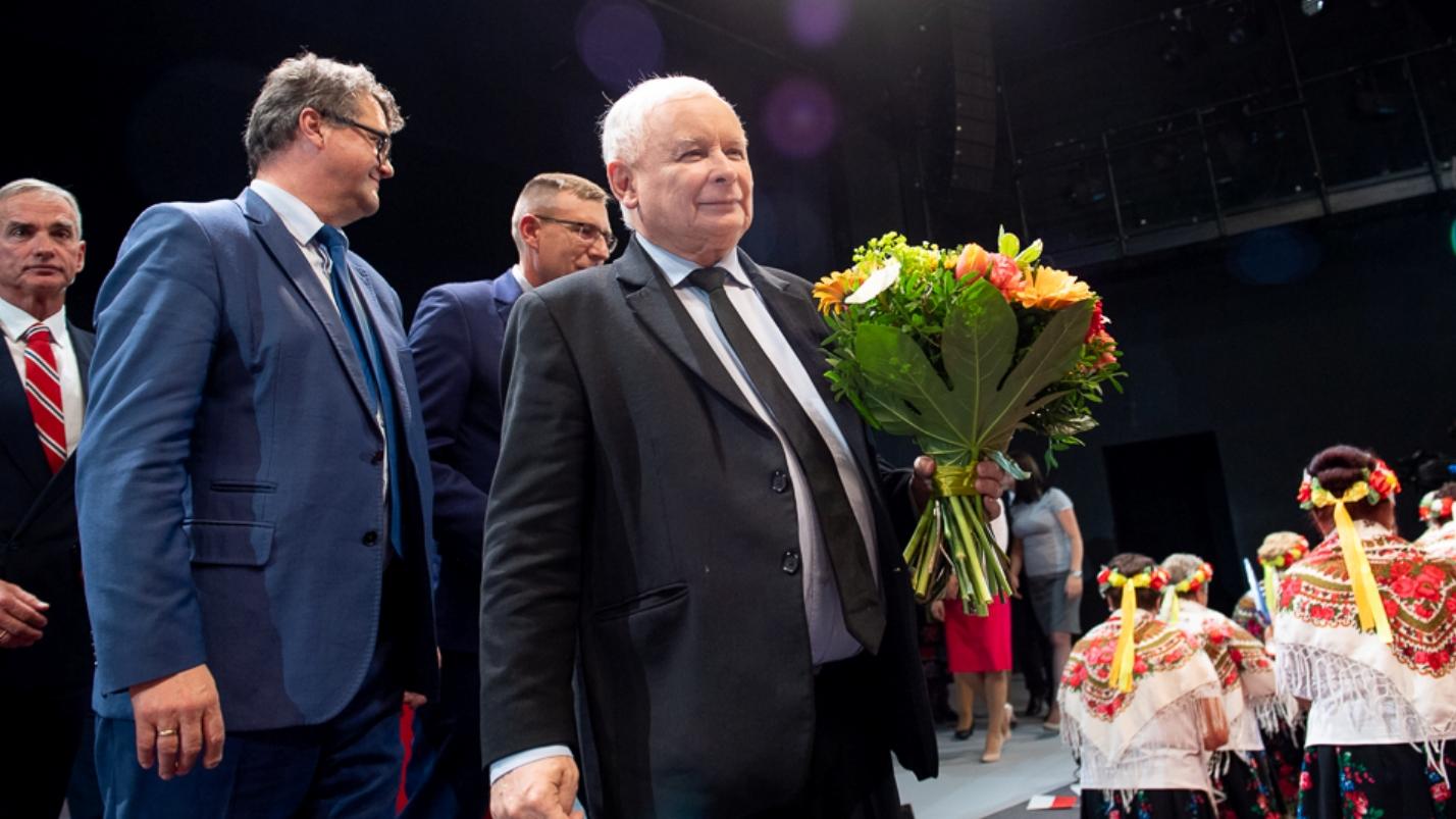 Polityk PiS ujawnia: Mamy badania, kryzys na granicy służy Kaczyńskiemu