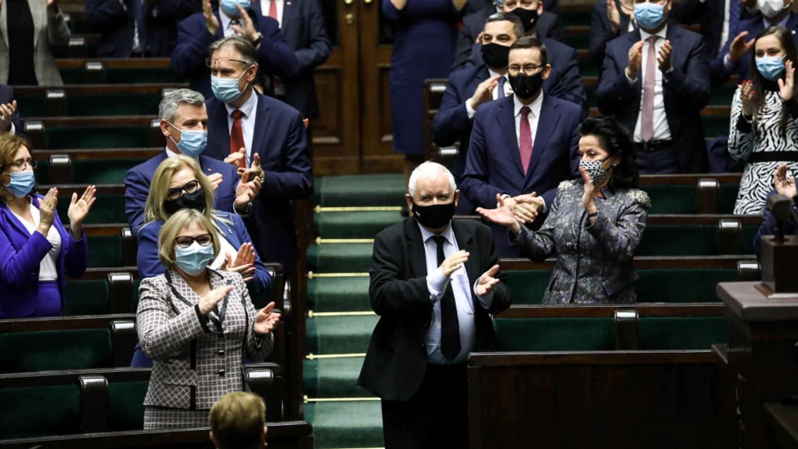 PiS sparaliżuje Mariana Banasia? Kaczyński ma plan, jak przejąć NIK