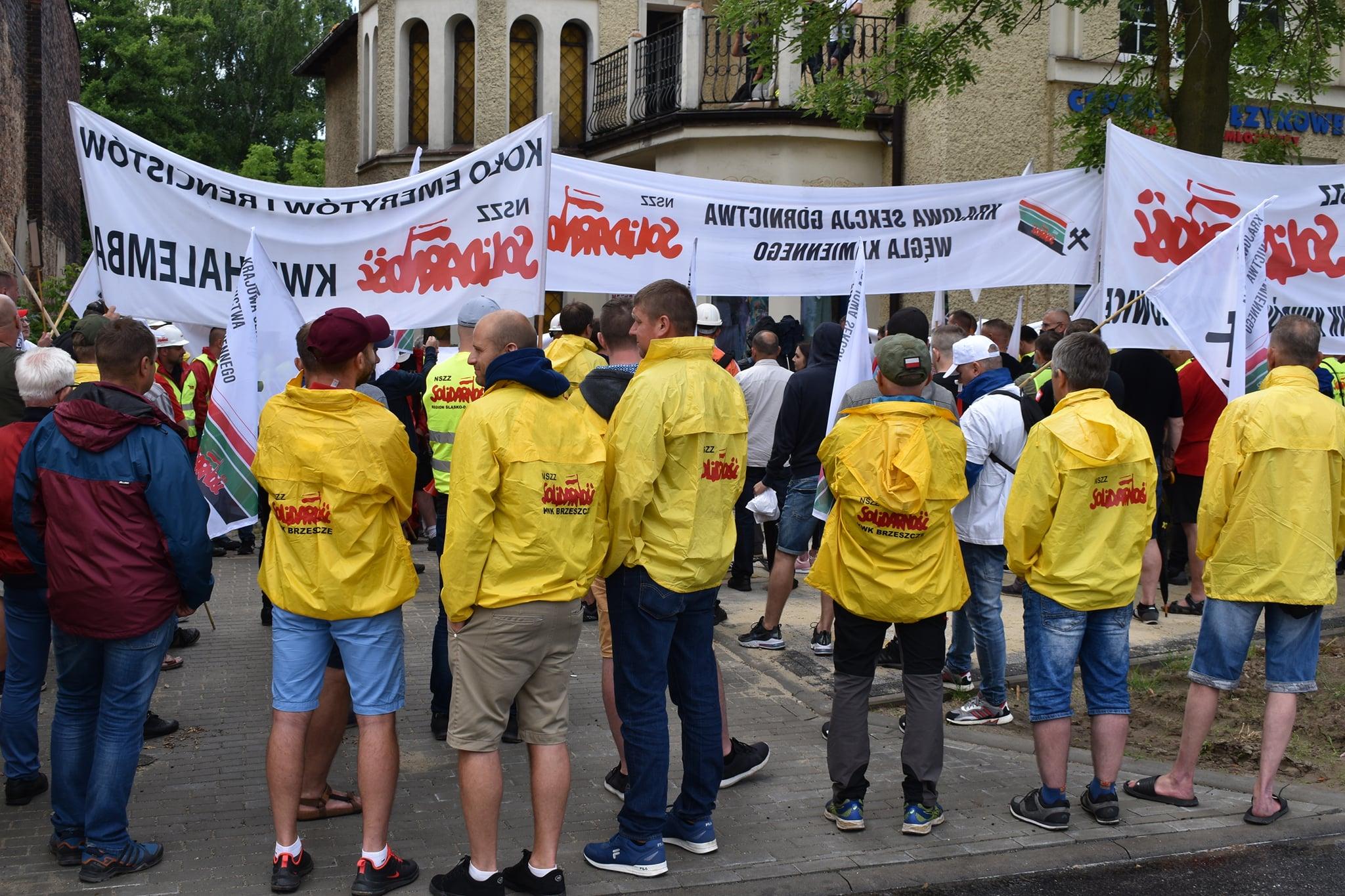 Protest górników zakończony. Związki wywalczyły podwyżki