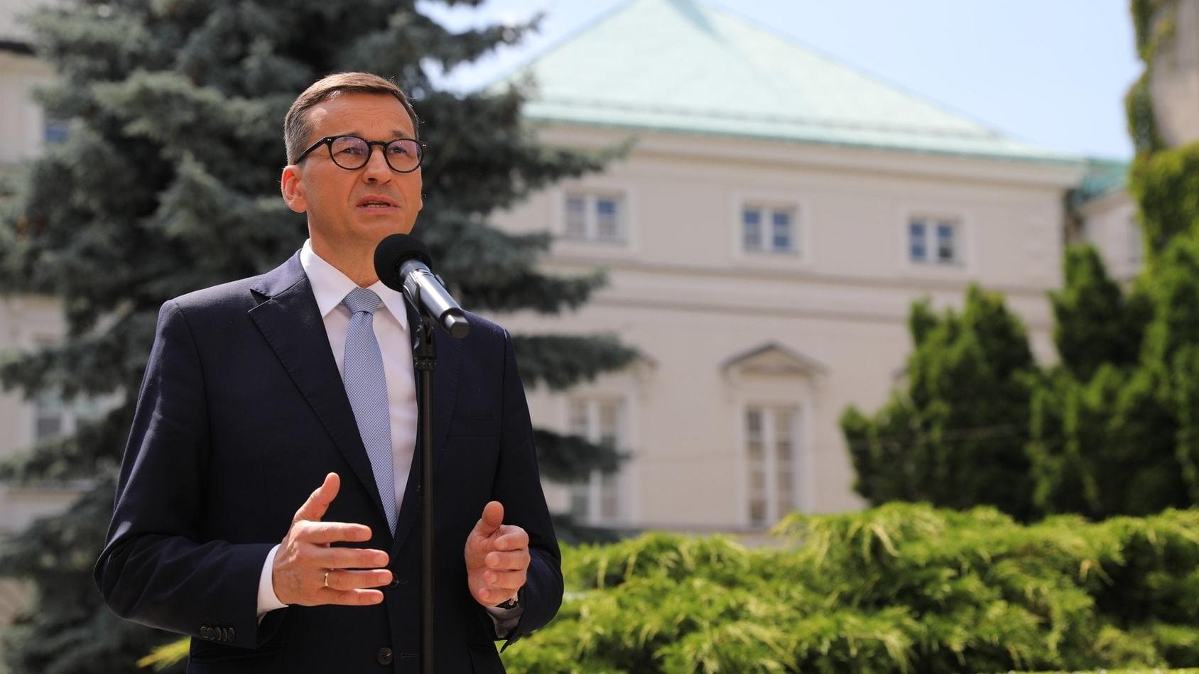 """Premier: """"Obiecuję, że będziemy przeznaczać kolejne miliardy złotych na służbę zdrowia"""""""