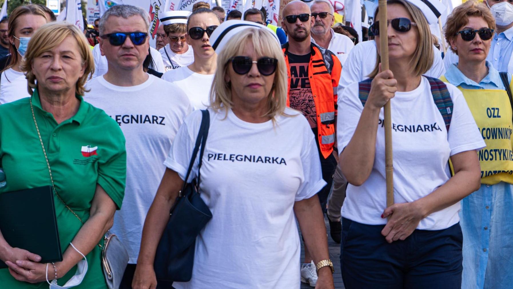 Protestujący medycy piszą do Morawieckiego i Kaczyńskiego. Proszą o podjęcie dialogu