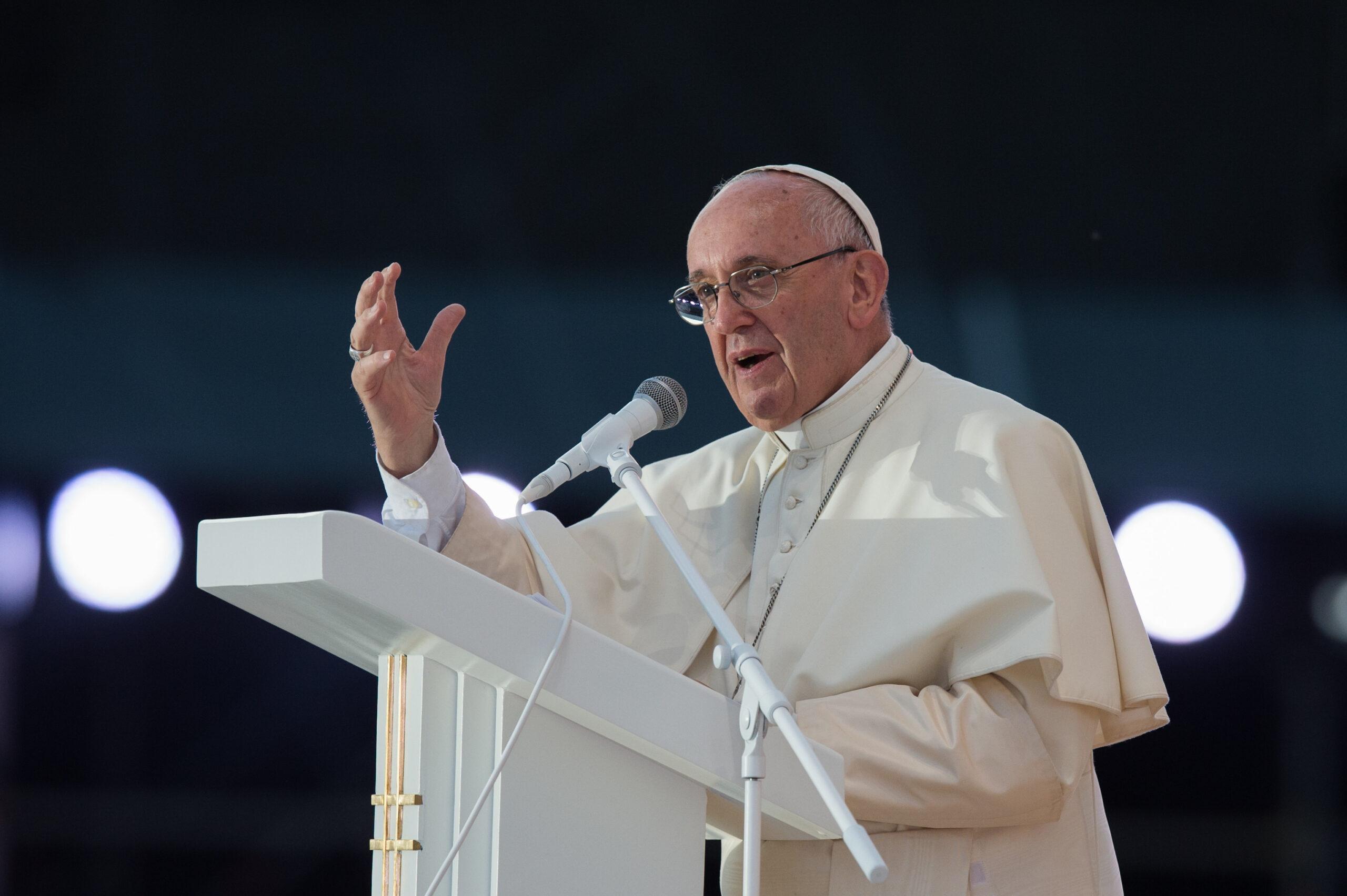 Papież na Węgrzech: Należy przeciąć lont antysemityzmu