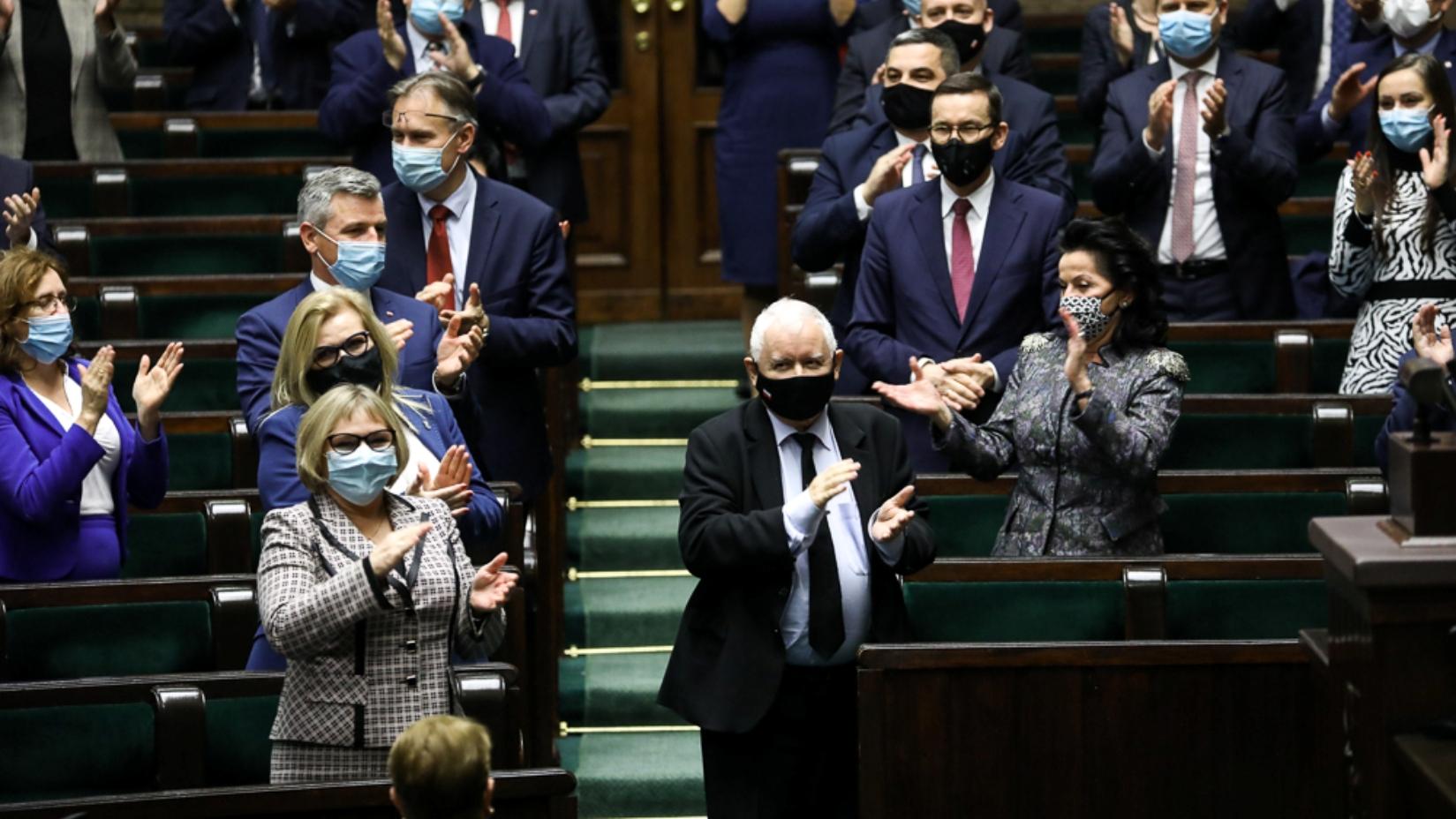PiS poprze PO przy zmianie konstytucji. Jest jeden warunek