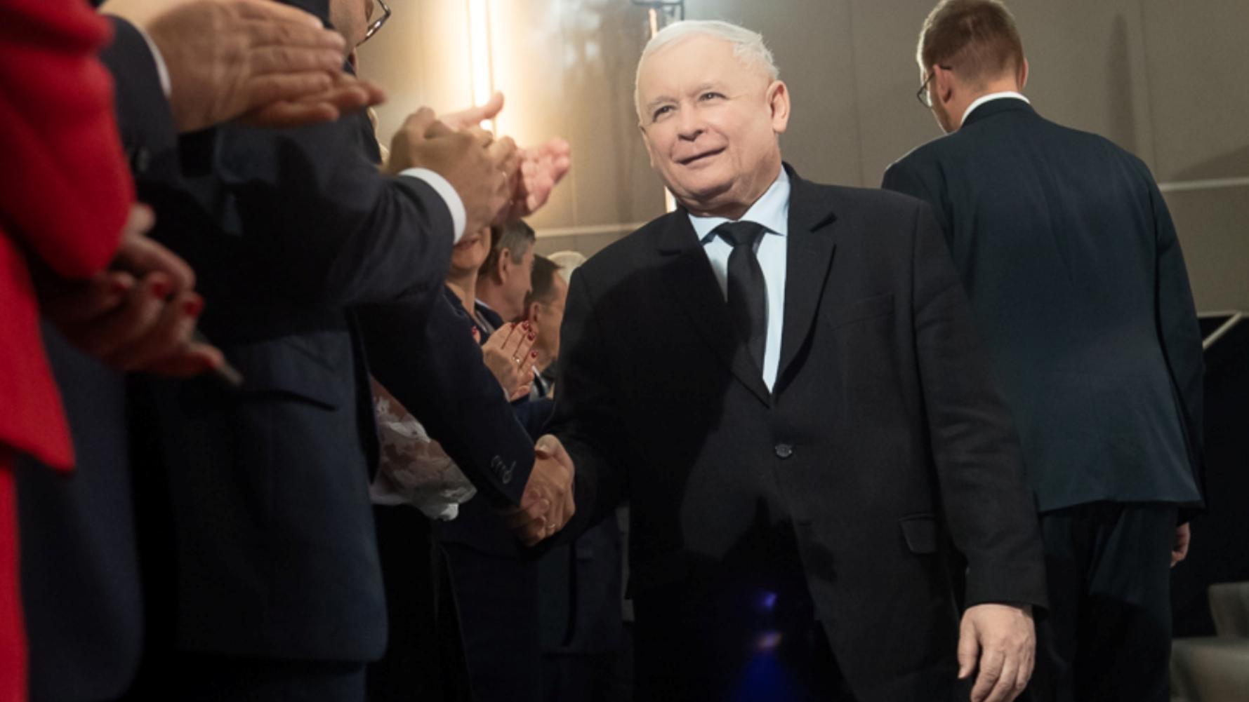 """Nad jaką ustawą pracuje w rządzie Kaczyński? """"Władza jest bardzo radykalnie podzielona"""""""