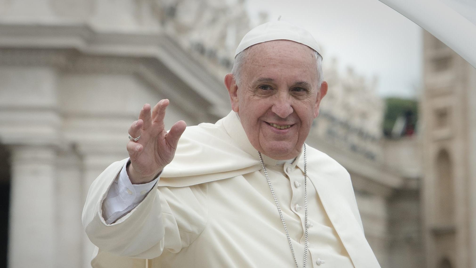Papież: Przyjmijcie uchodźców, poślijcie ich dzieci do szkół