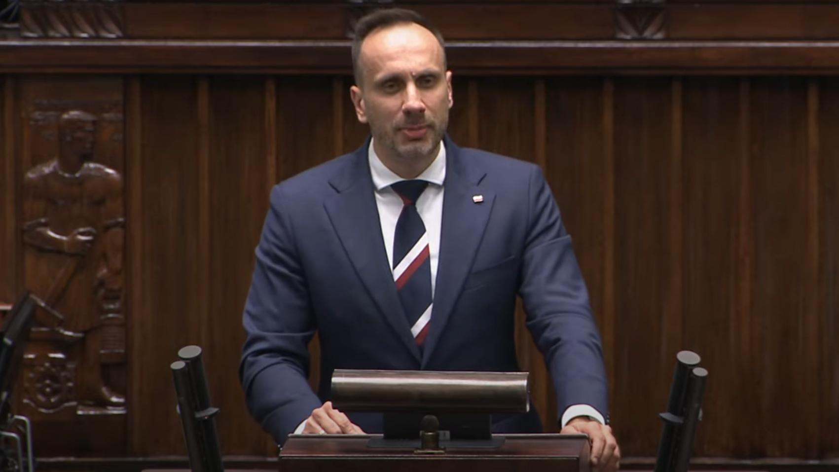"""Nieoficjalnie: """"Bulterier"""" Ziobry Janusz Kowalski wróci do rządu"""