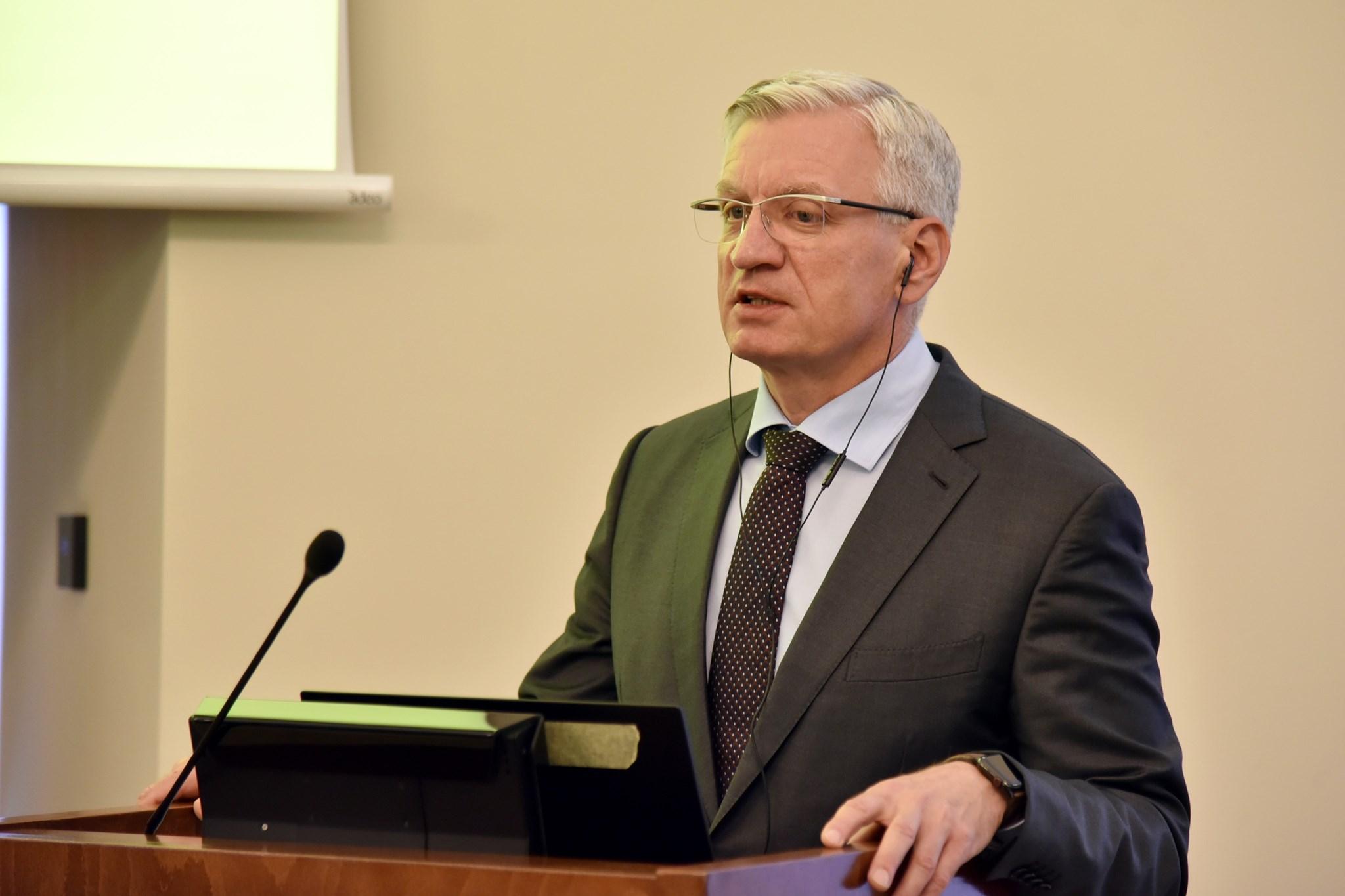 Jaśkowiak chce zmian w hymnie. Chodzi o ruch turystyczny w Poznaniu