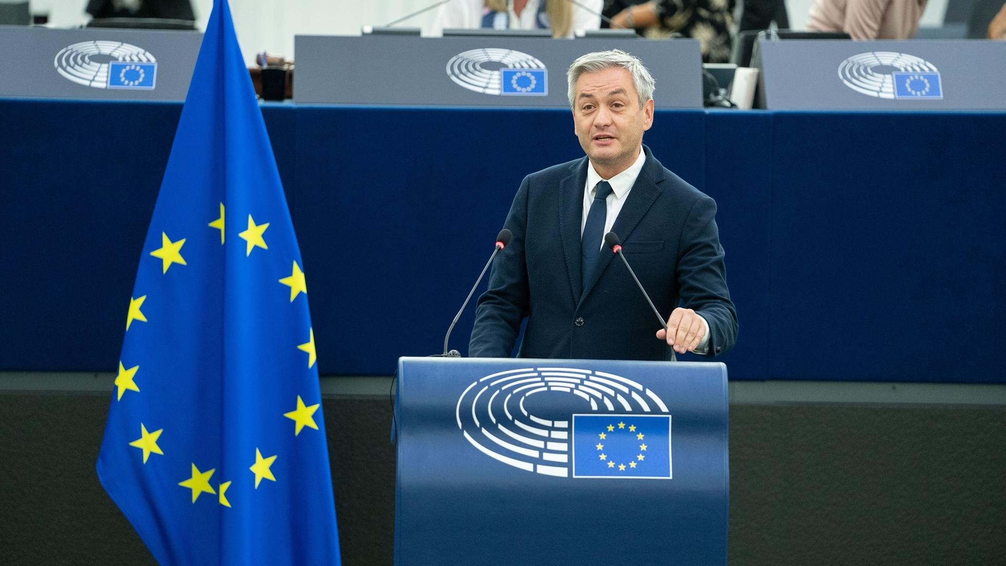 Parlament Europejski podejmie rezolucję ws. sytuacji na granicy z Białorusią. Biedroń podał datę