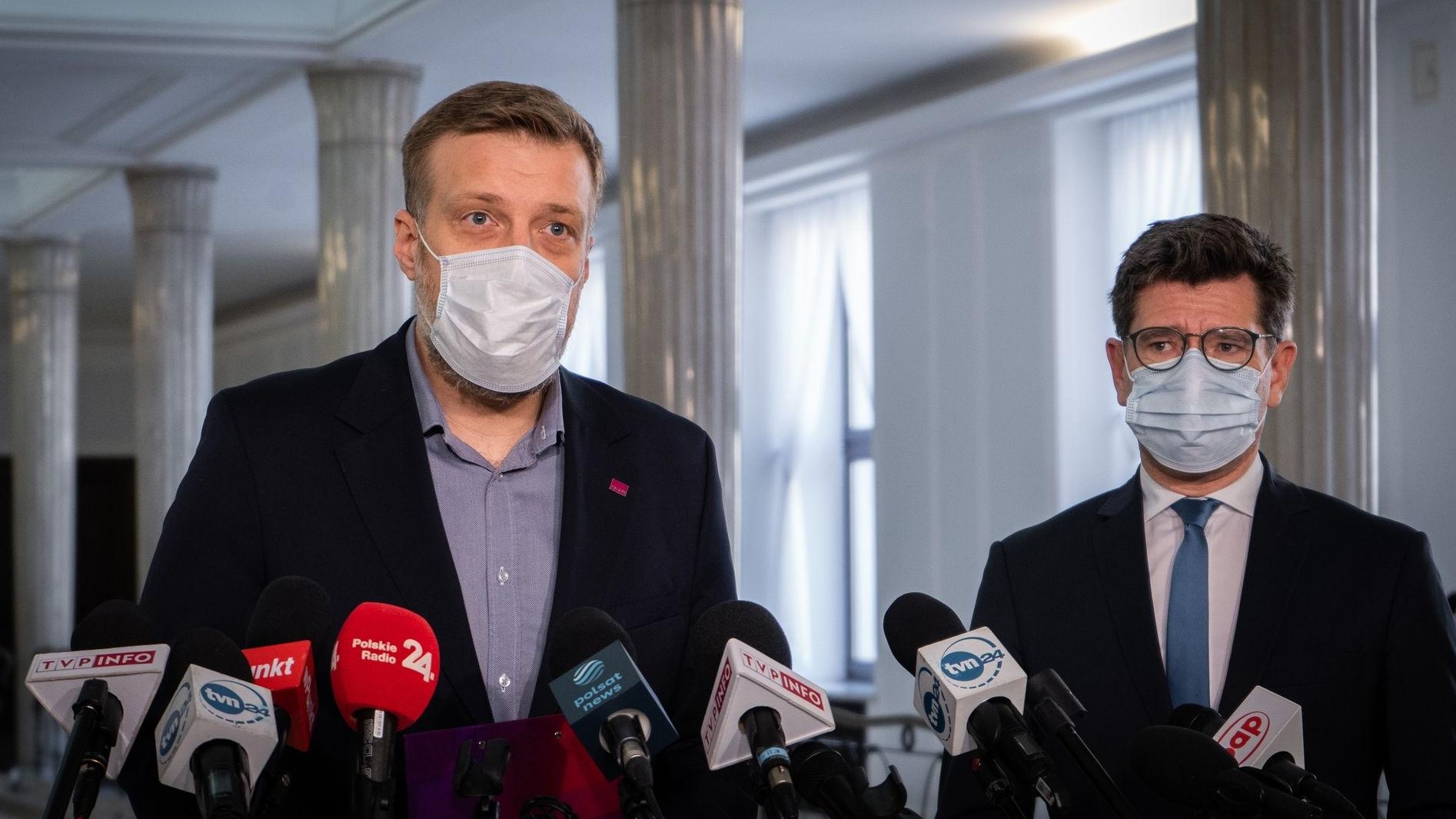 Zandberg: Czy Ministerstwo Finansów ma listę miliarderów unikających podatków w Polsce?