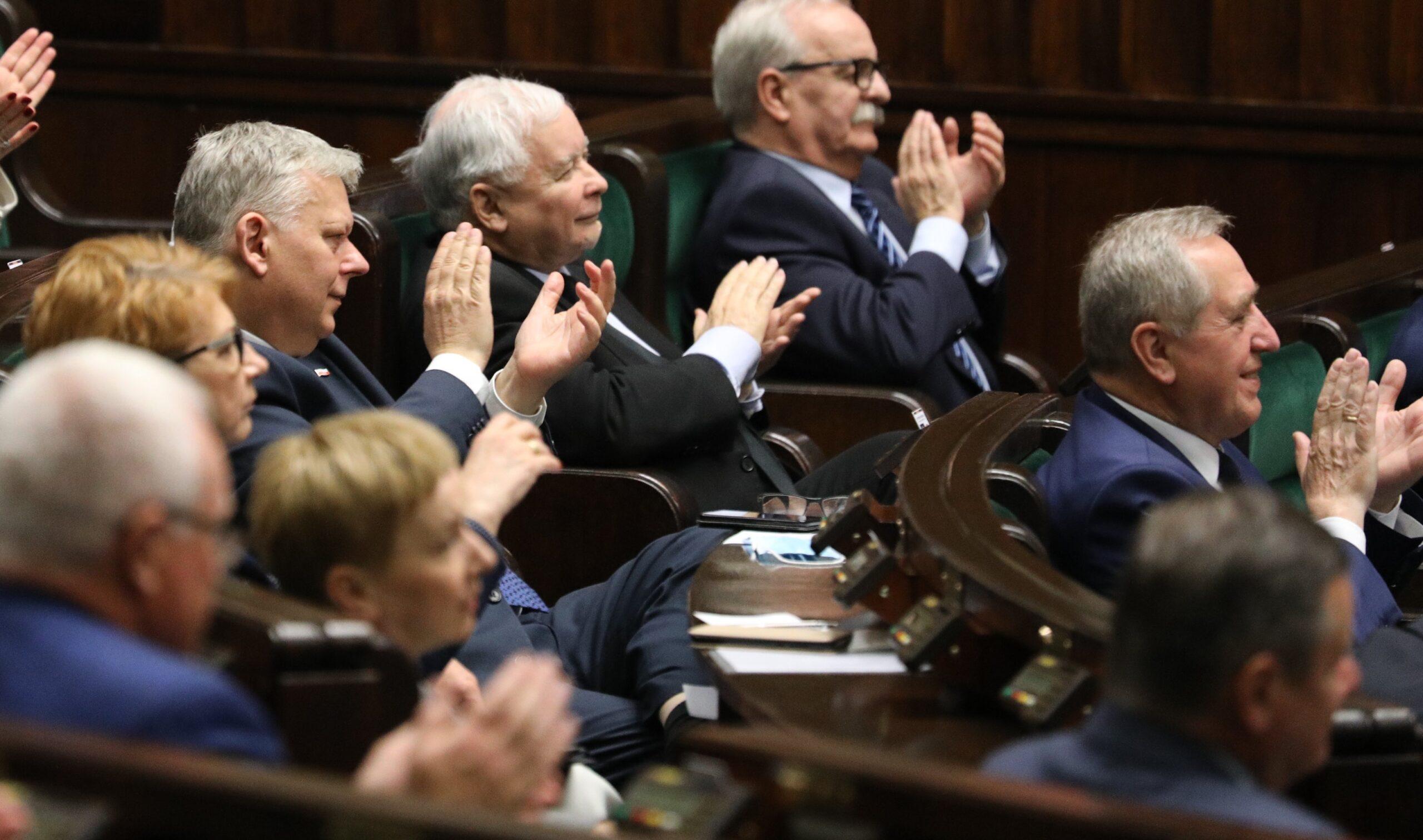Kaczyński zbiera szable. Nieoficjalnie: Niezrzeszony poseł zostanie wiceministrem sportu
