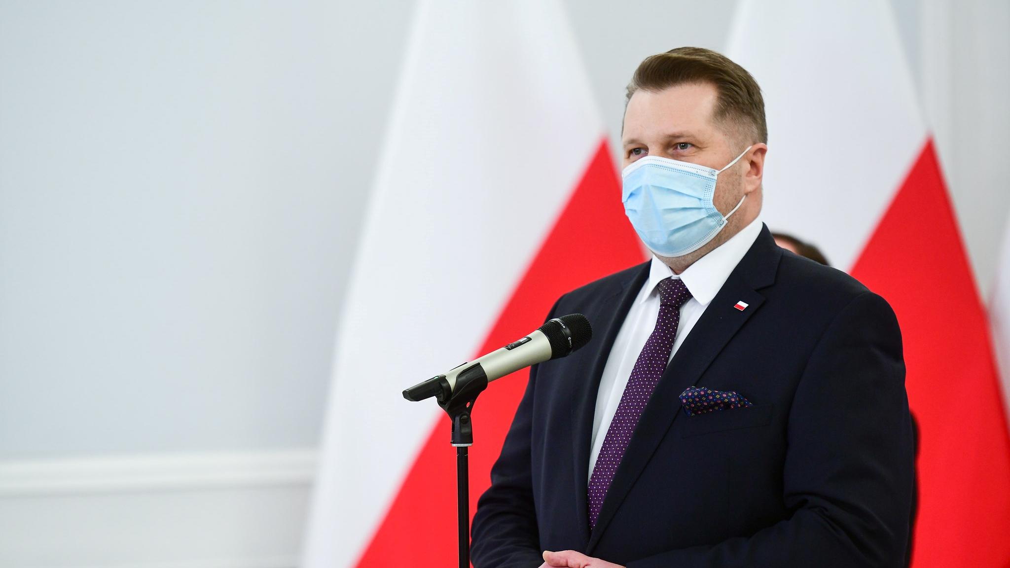 Studenci wracają na uczelnie. Minister Czarnek podał nowe wytyczne