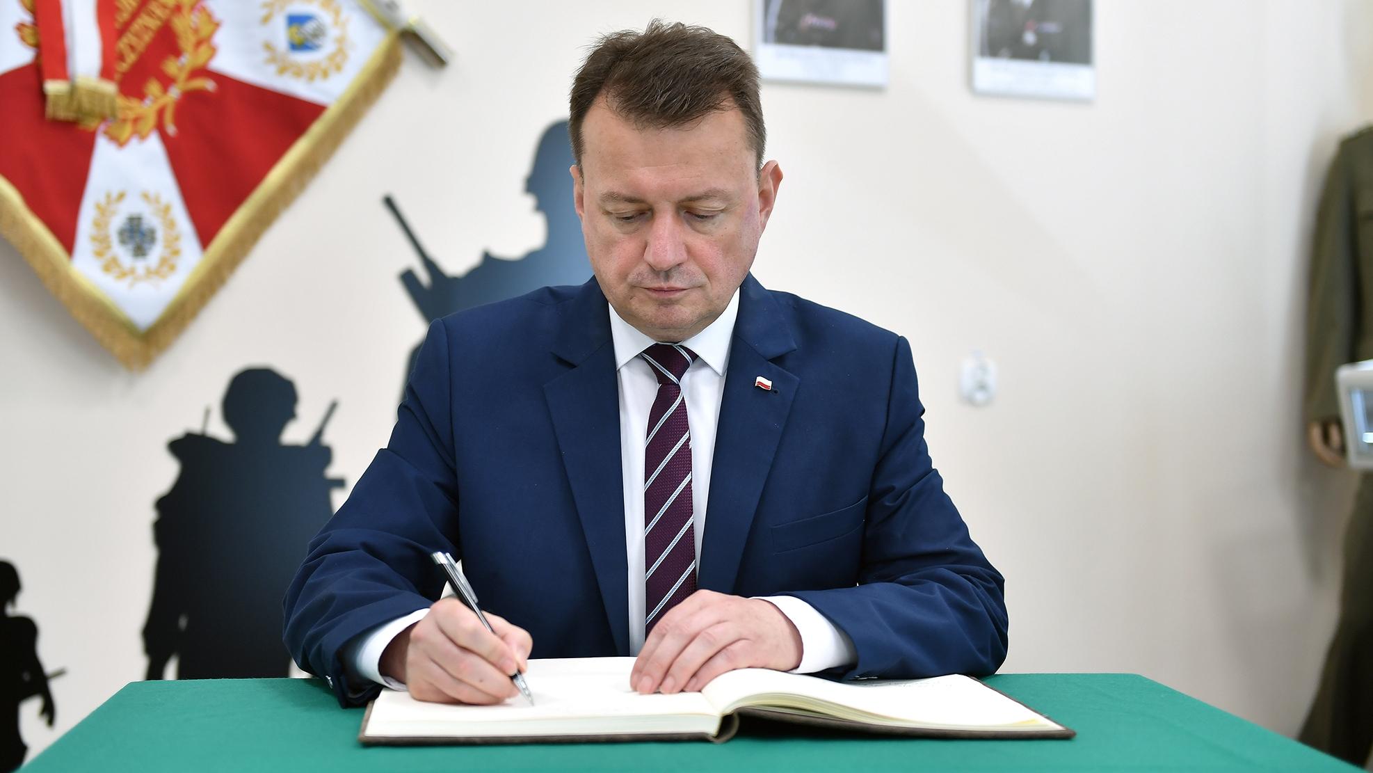 """Błaszczak o nowym ogrodzeniu na granicy: """"Skorzystamy z doświadczeń węgierskich"""""""